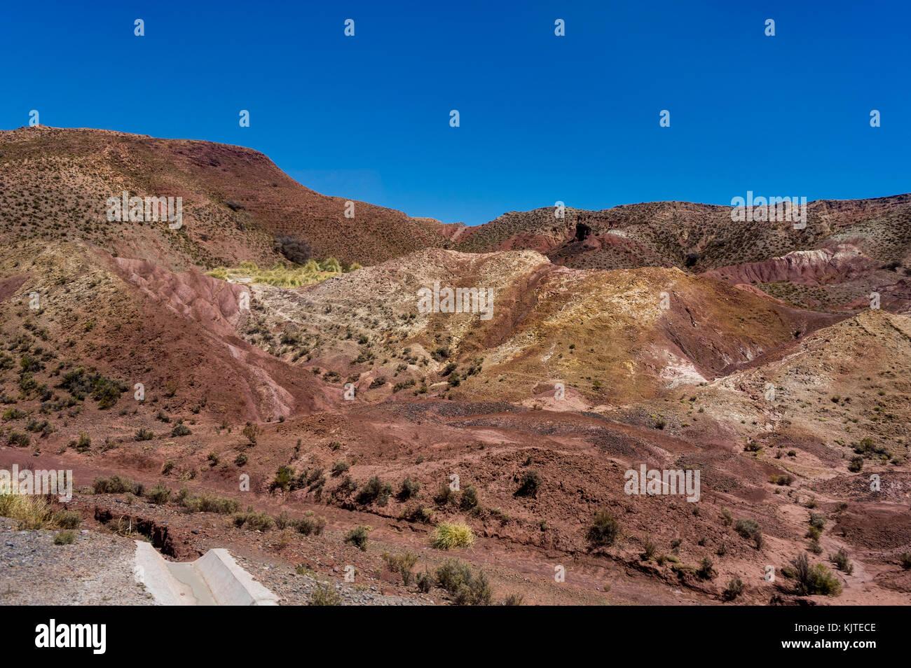 Foto im August 2017 in Uyuni in Bolivien, Südamerika: Atacama Wüste in Uyuni in Bolivien getroffen Stockbild