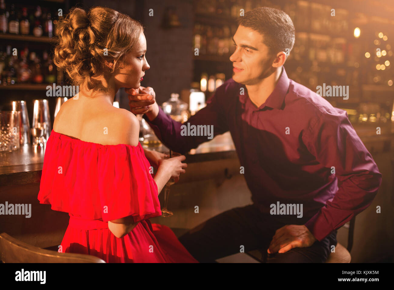 Dating weniger gebildeter Mensch randki w ciemno blind dating lektor pl