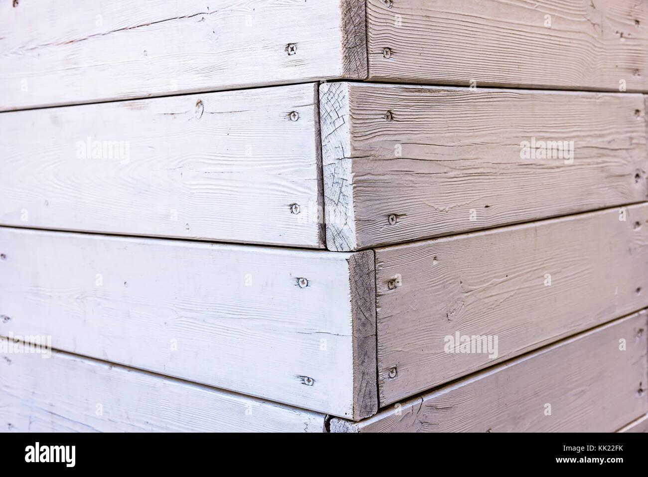 nasse alte weiße holz palettenmuster oberfläche, ecke weiß lackiert