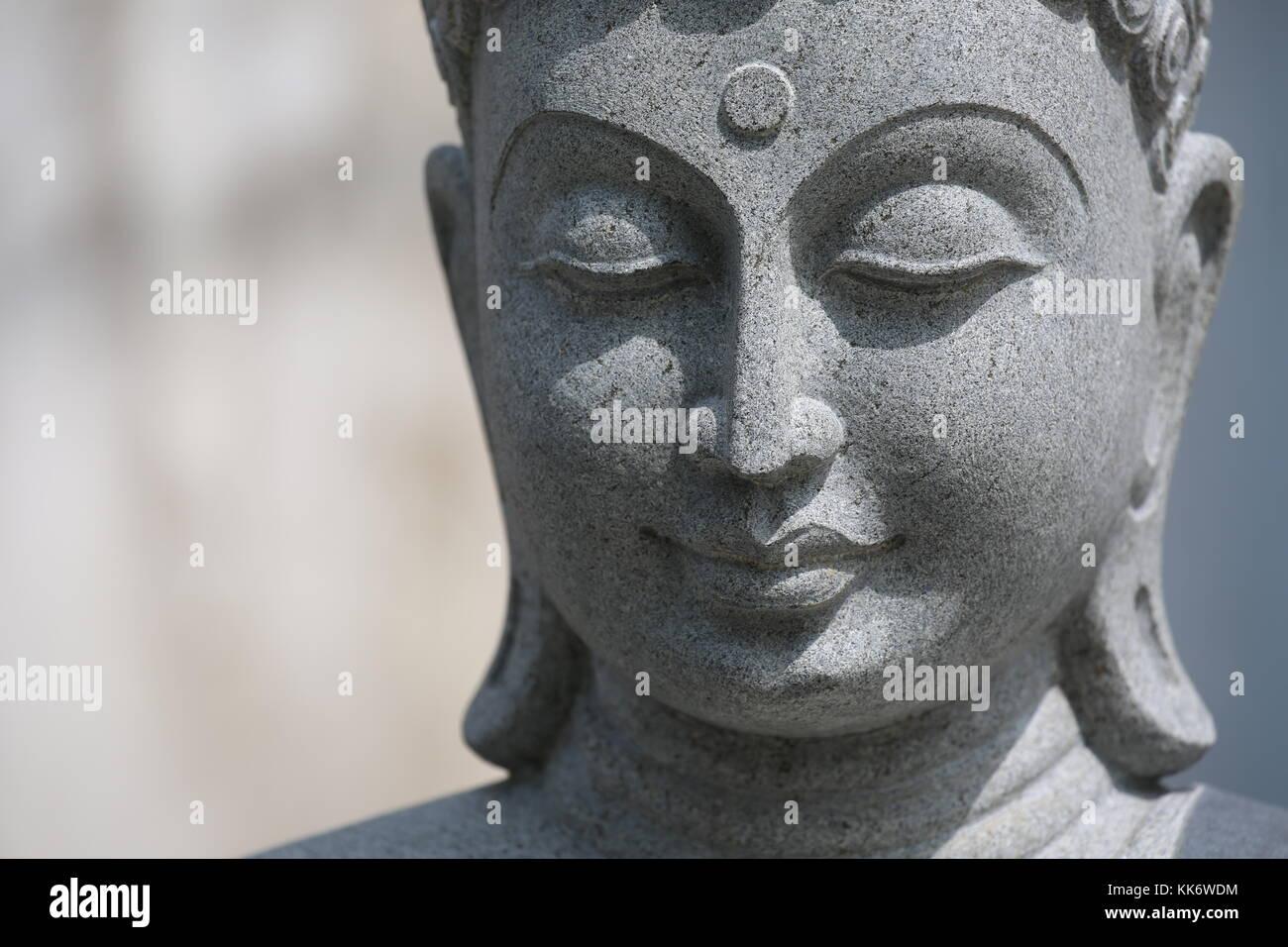 Buddha Figur aus Stein - Buddha Figur aus Stein Stockfoto, Bild ...