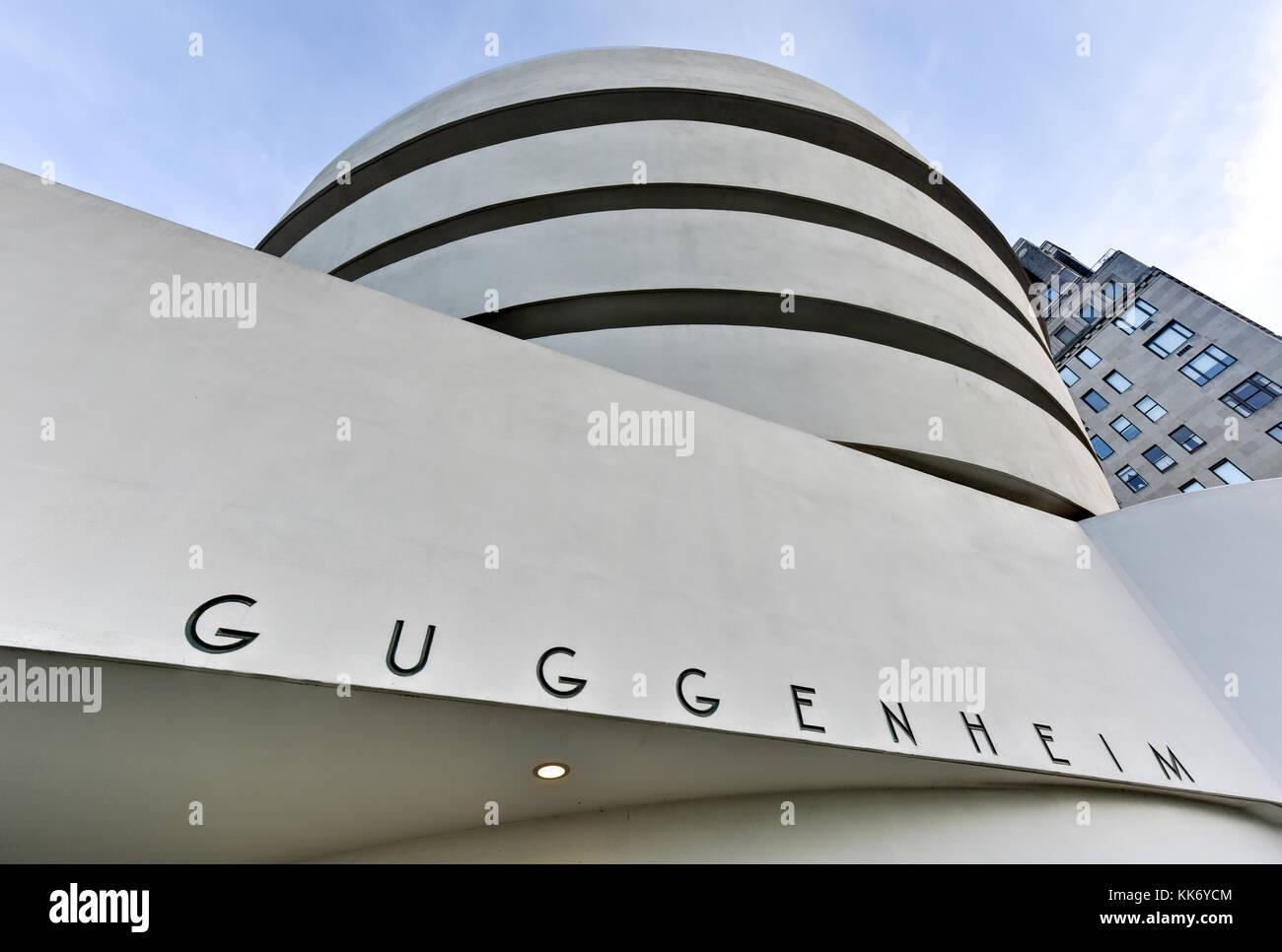 New York City - Januar 31, 2016: Der berühmte Solomon R. Guggenheim Museum für Moderne und Zeitgenössische Stockbild