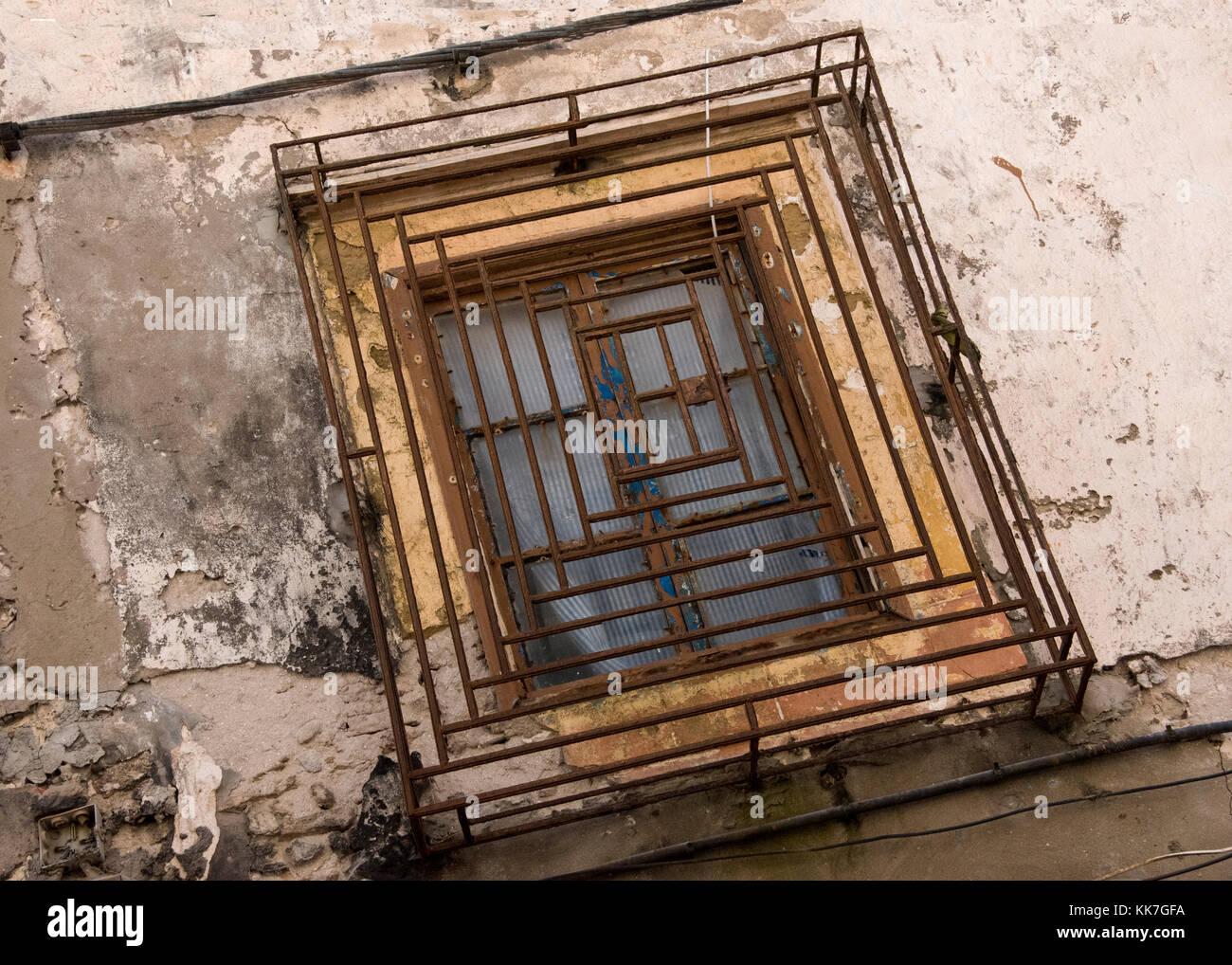 Rusty Window Frame Stockfotos & Rusty Window Frame Bilder - Alamy