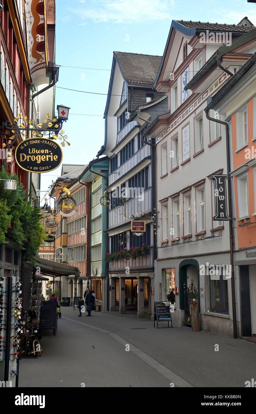 Appenzell (Schweiz): die traditionelle Architektur des Dorfes Appenzell Stockbild