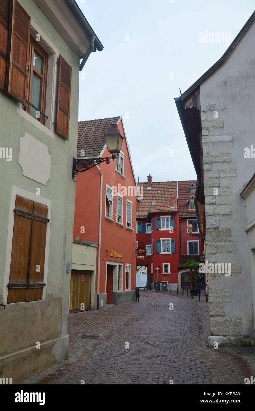 Mulhouse (Mülhausen) im Département von Elsass, Frankreich: Passage des Augustins. Stockbild