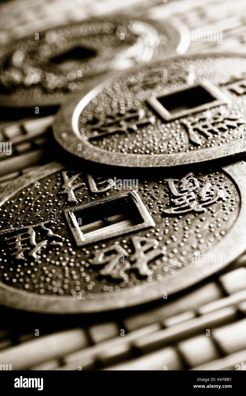 Chinesisch I Ching Münzen Für Weissagung Stockfoto Bild 166909989