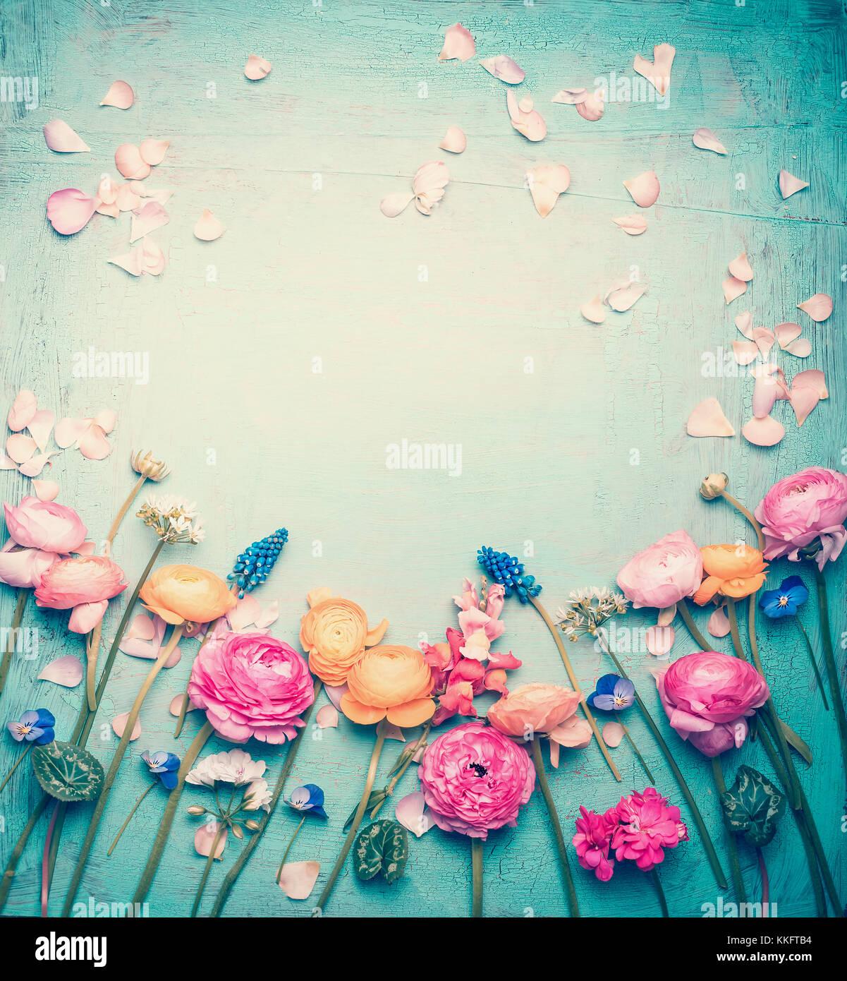 Blumen Rahmen mit schönen Blumen und Blüten, retro Pastellfarben ...