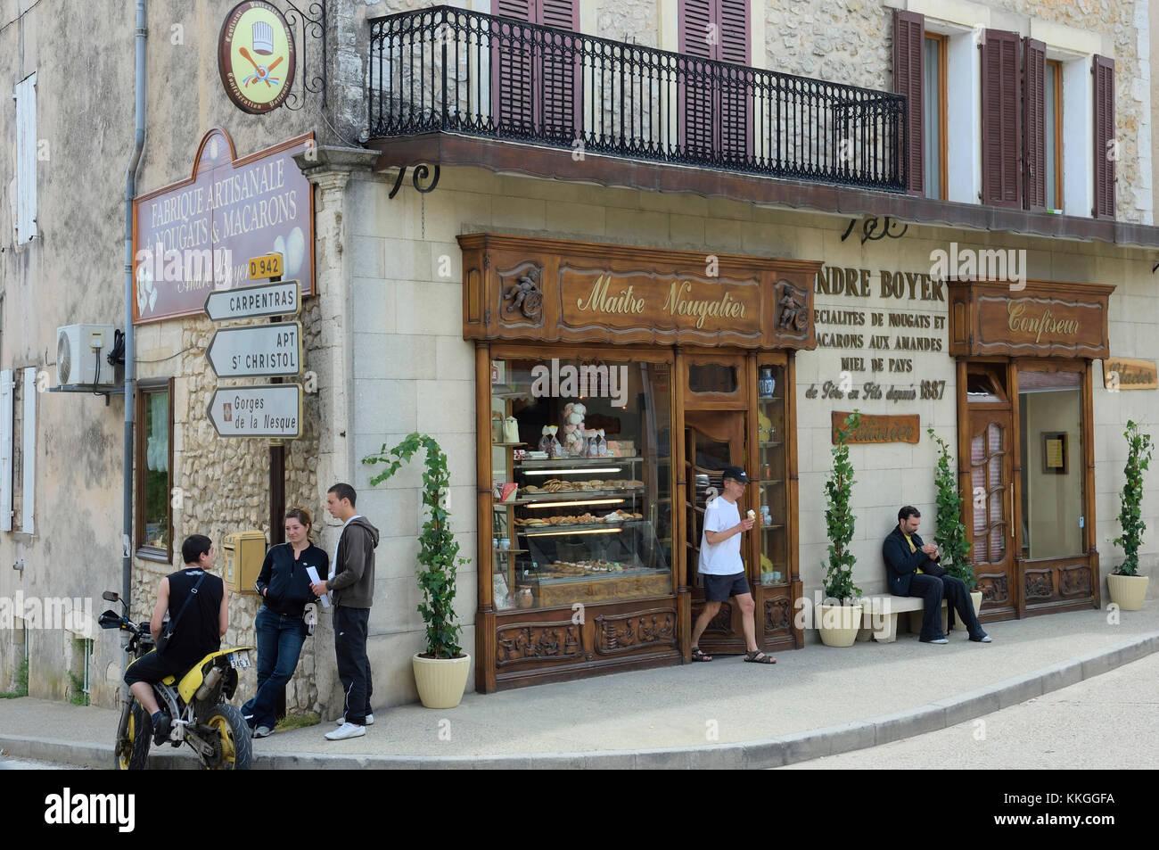 892cbbdbfa9938 Shop Provence Alpes Côte Stockfotos & Shop Provence Alpes Côte ...