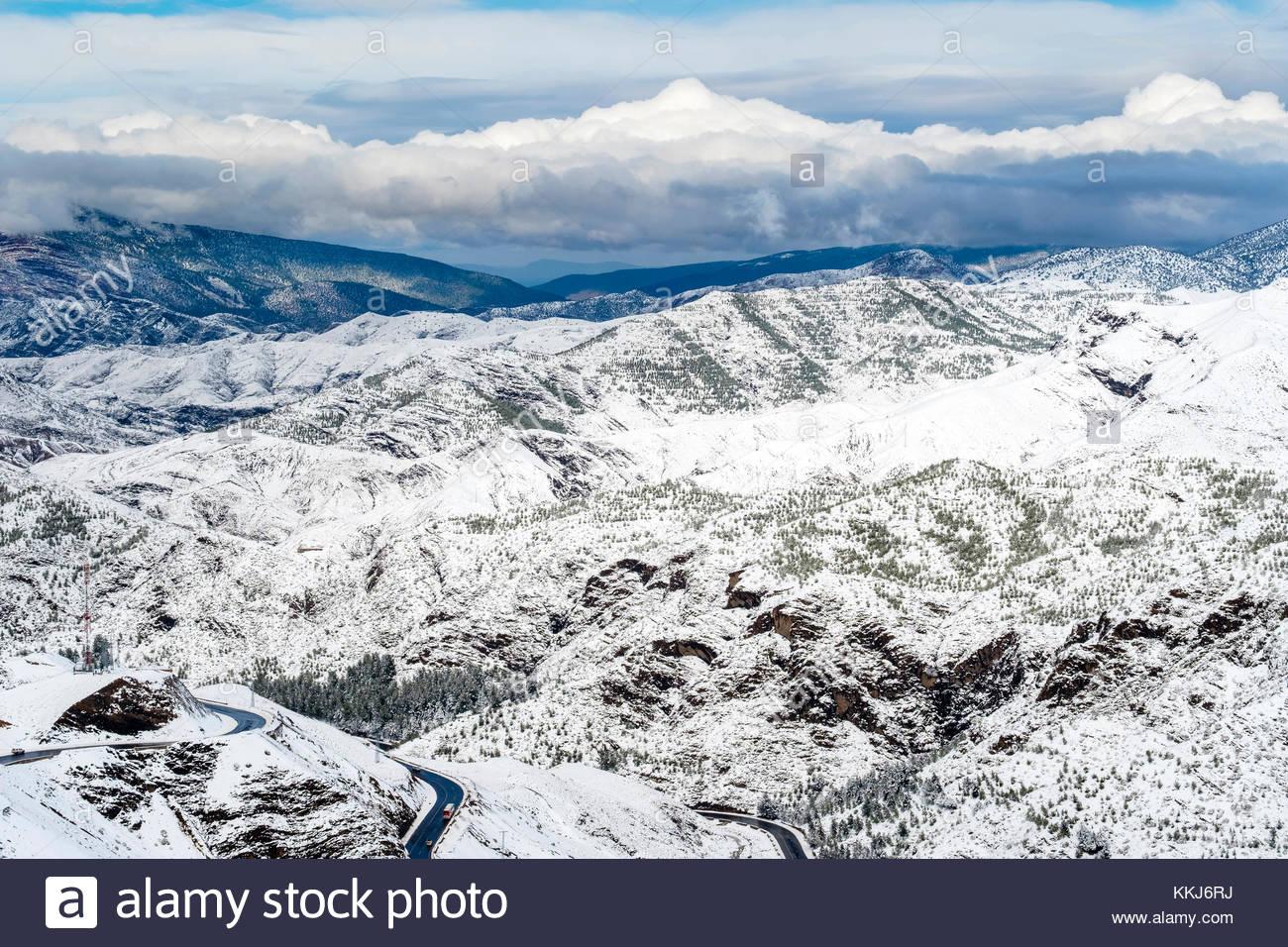 Marokko, Marrakech-Safi (Marrakesh-Tensift-El Haouz), Al Haouz Provinz. Tizi N'Tichka Pass im Atlasgebirge. Stockbild