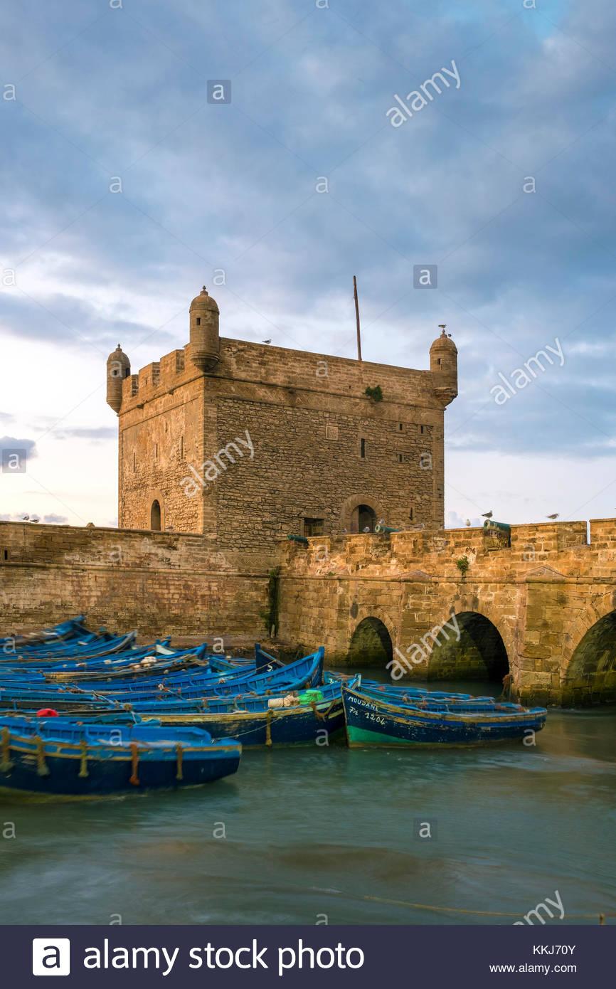 Marokko, Marrakesh-Safi (Marrakesh-Tensift-El Haouz) Region, Essaouira. Skala du Port, 18. Jahrhundert Stadtmauer Stockbild