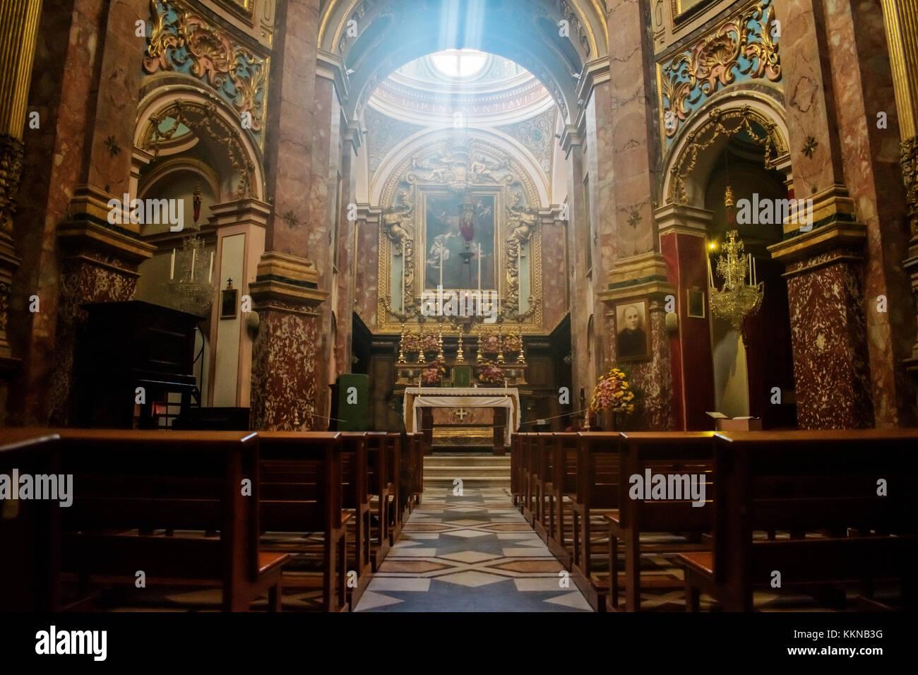 Die Kirche der Verkündigung auch als die Karmeliterkirche bekannt ist eine reiche barocke Klosterkirche des Stockbild