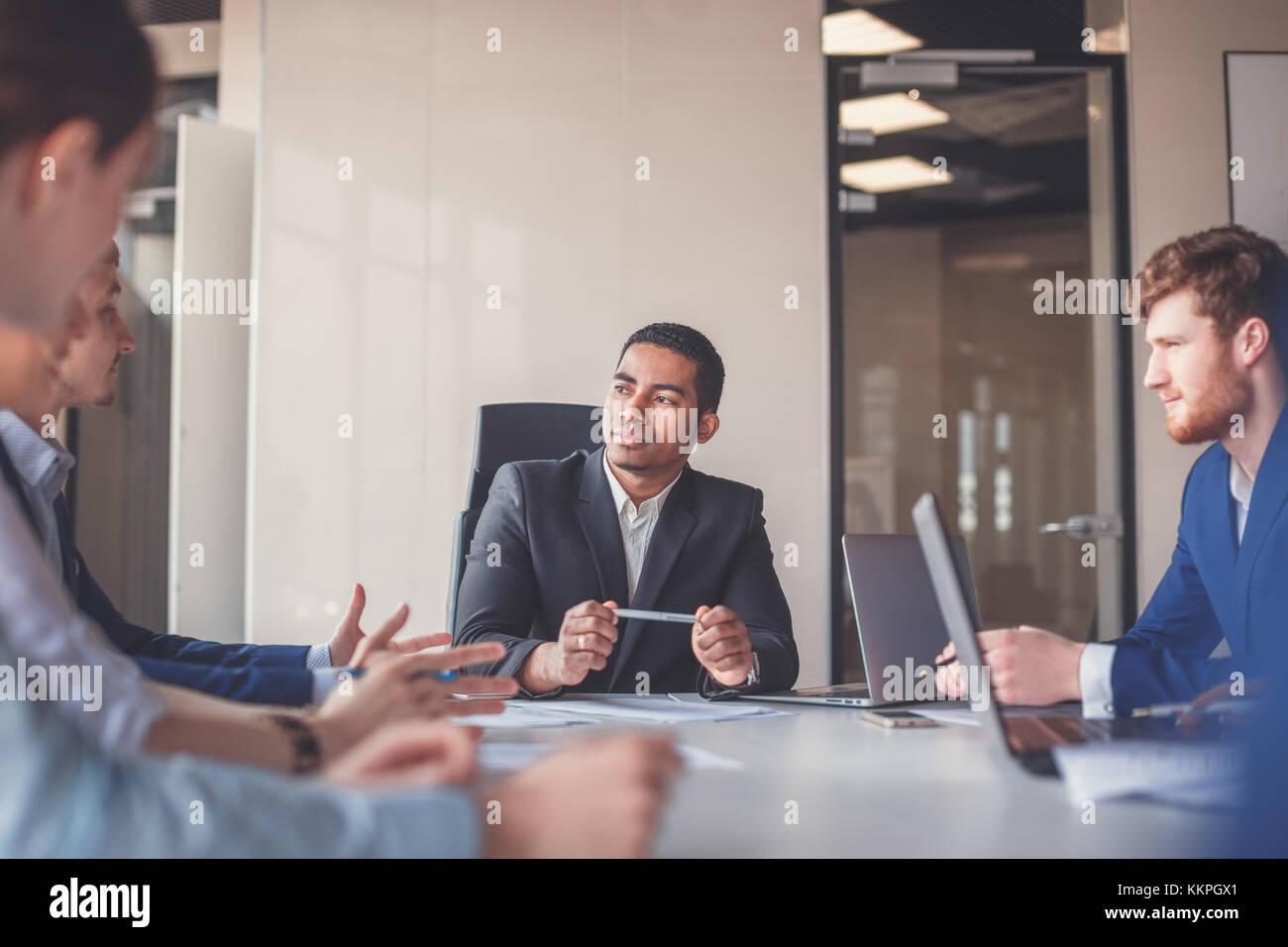 Chef Position ein Wiedersehen mit Partnern Stockbild