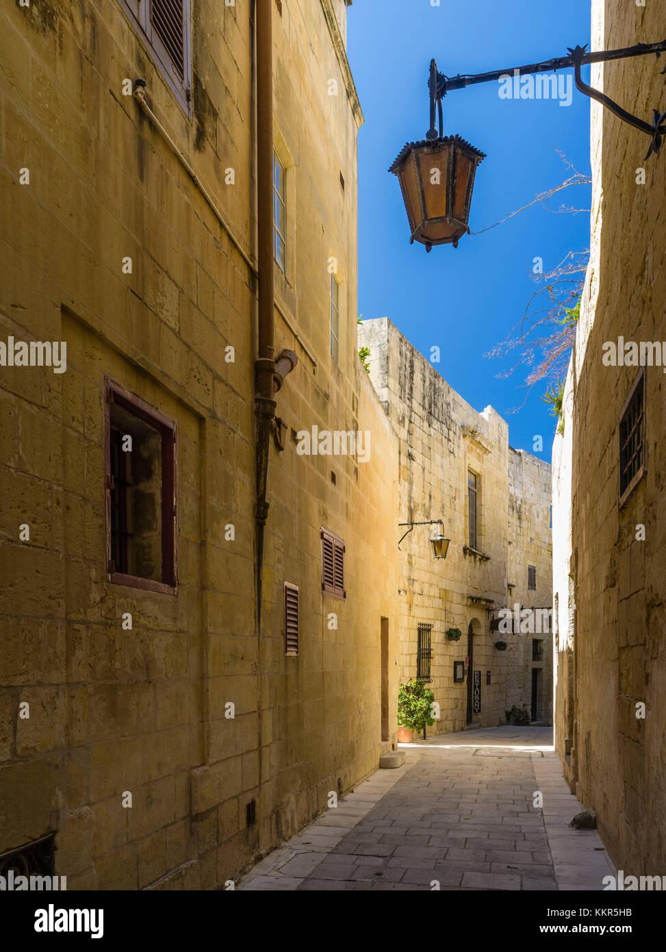 Malerische Gasse in der alten Hauptstadt von Malta, mdina Stockbild