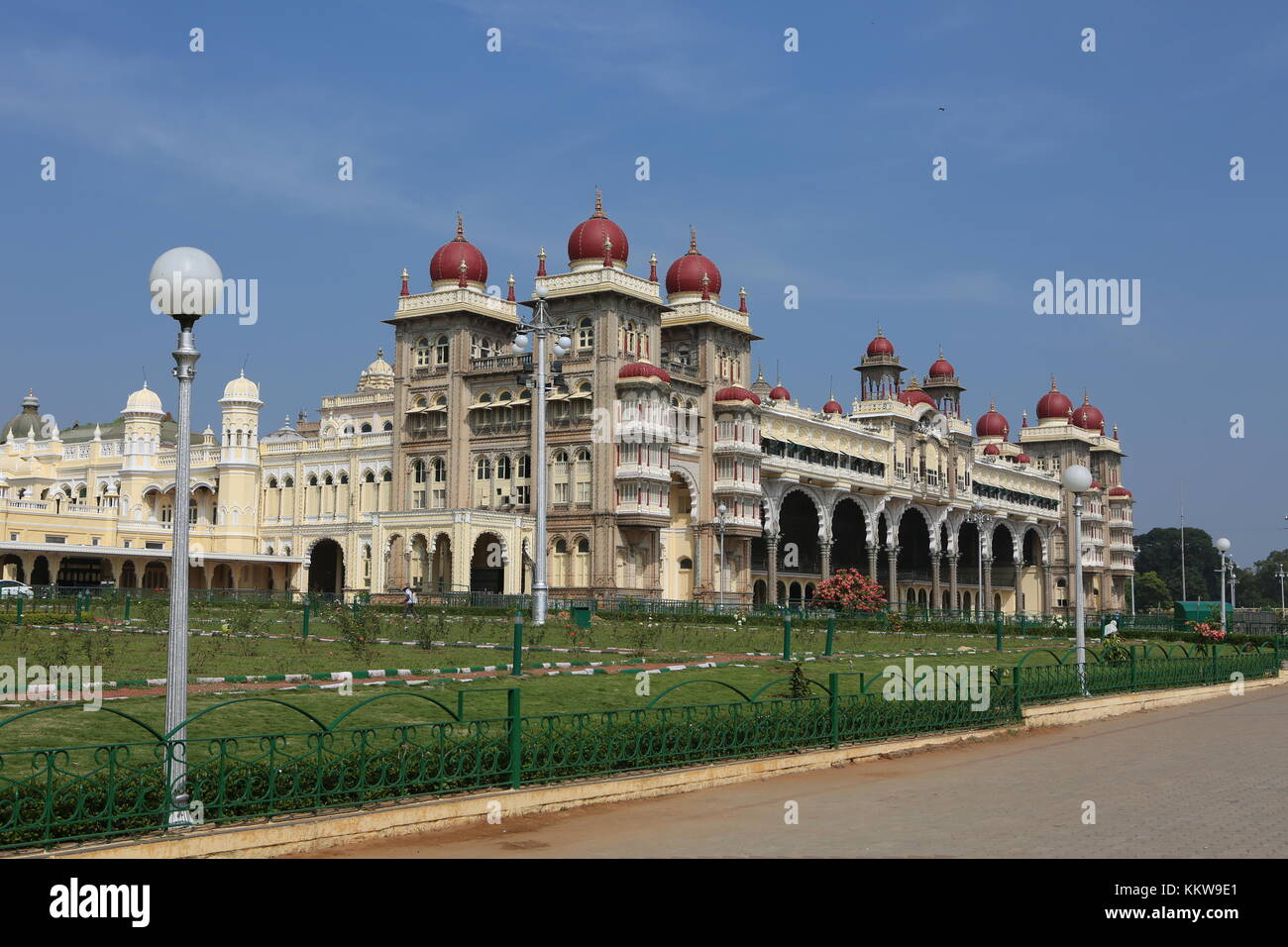 Der Palast von Mysore in Karnataka, Südindien - Palast in Mysore, Indien Stockbild