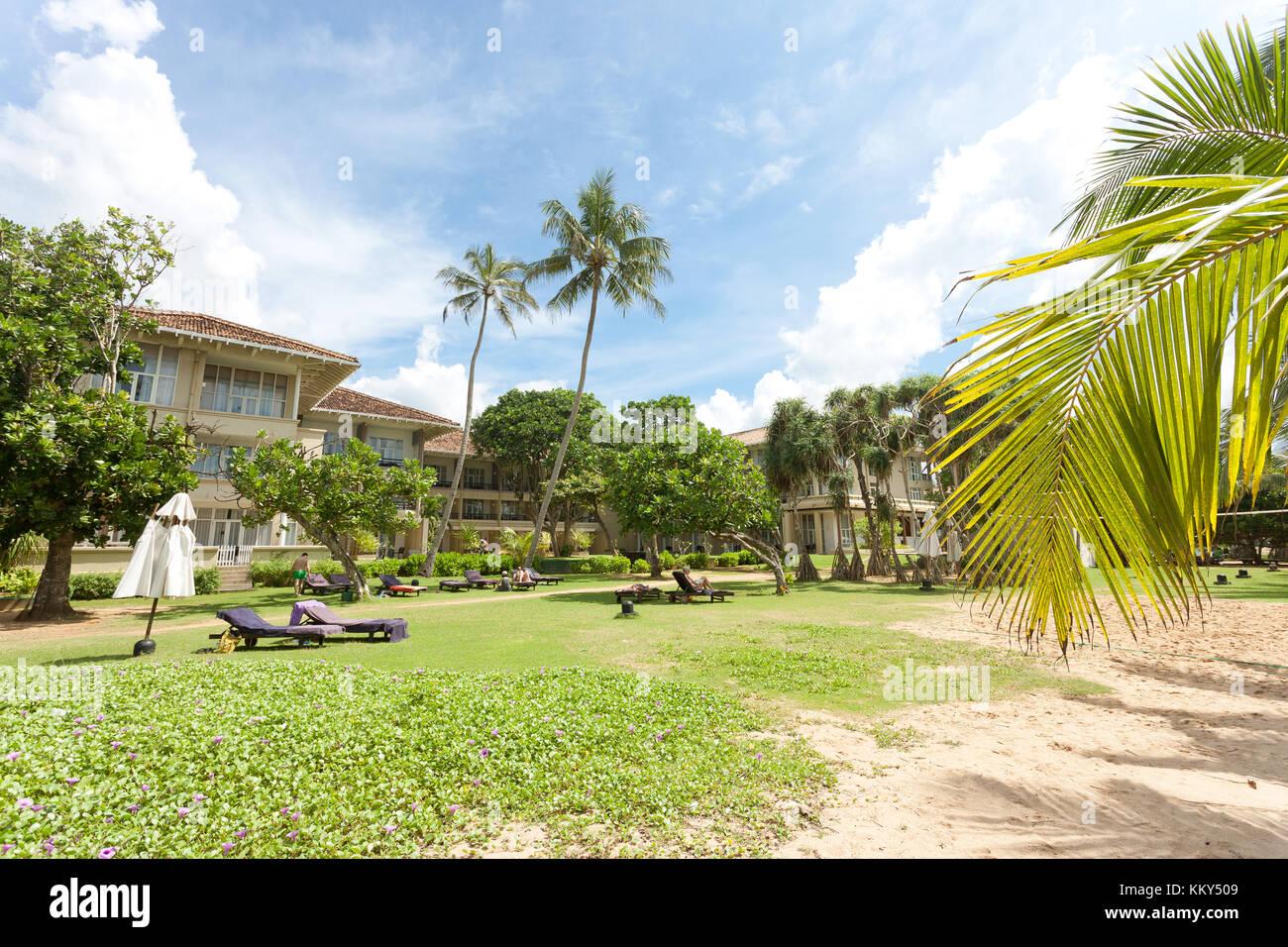 Entspannung am Strand von Induruwa, Sri Lanka, Asien Stockfoto