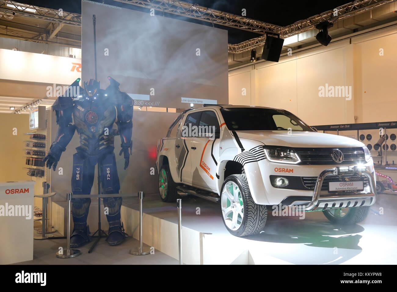 Essen, Deutschland. 01 Dez, 2017. VW Amarok auf der Essen Motor Show ...