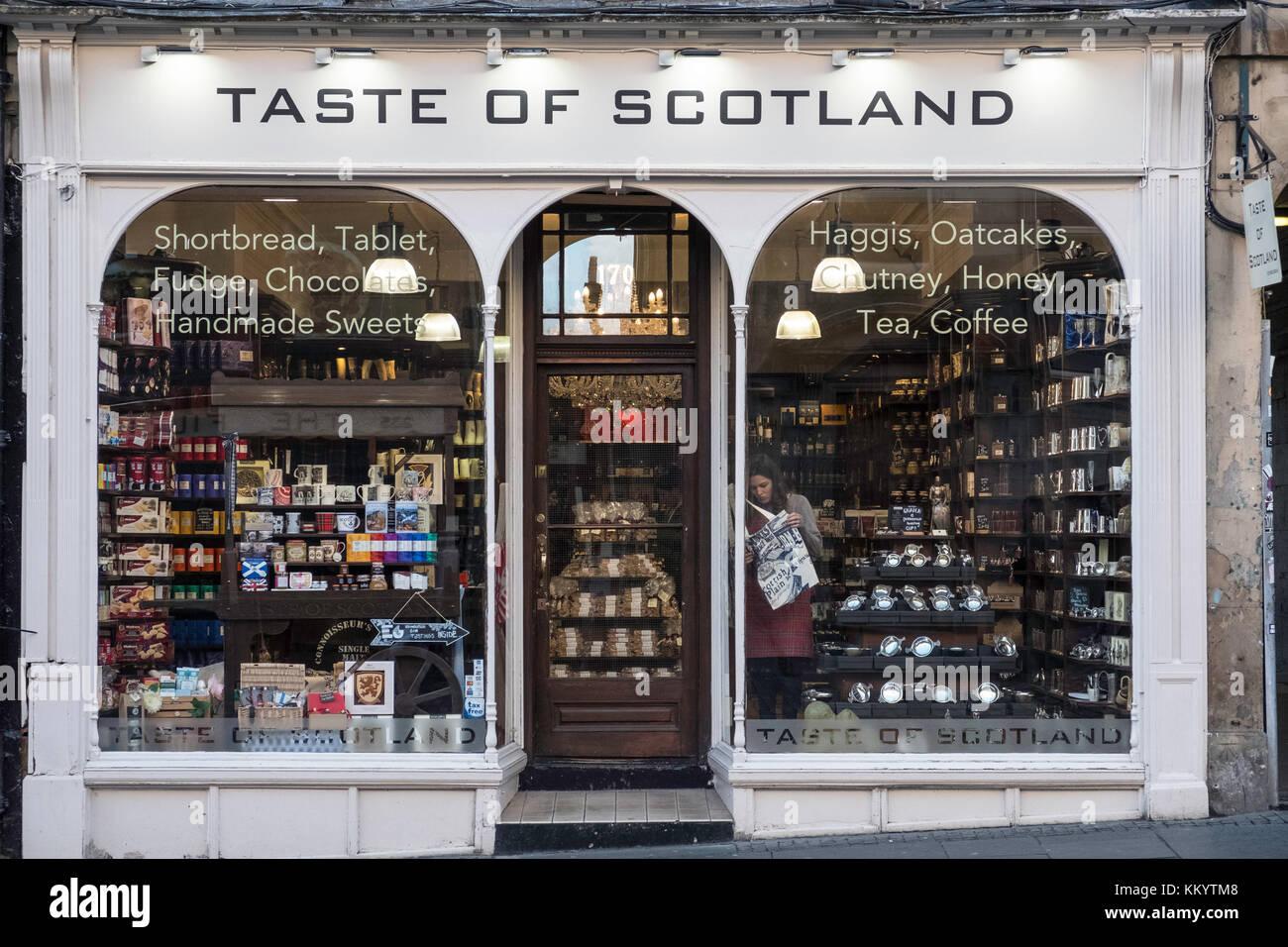 Geschmack von Schottland Shop Verkauf von Lebensmitteln und anderen Erzeugnissen in Schottland in der Altstadt von Stockbild