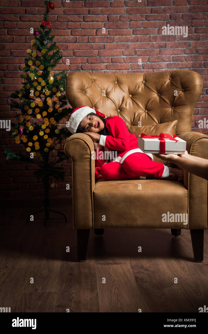 indian girl face cute stockfotos indian girl face cute bilder alamy. Black Bedroom Furniture Sets. Home Design Ideas