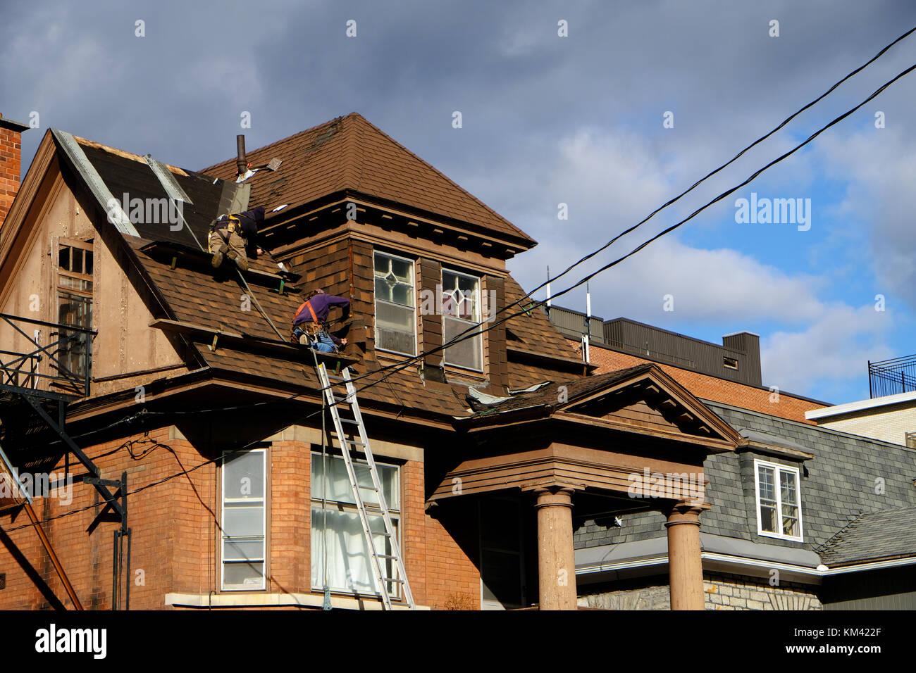 Dachdecker Kanada zwei dachdecker instandsetzung einer alten dach in ottawa kanada