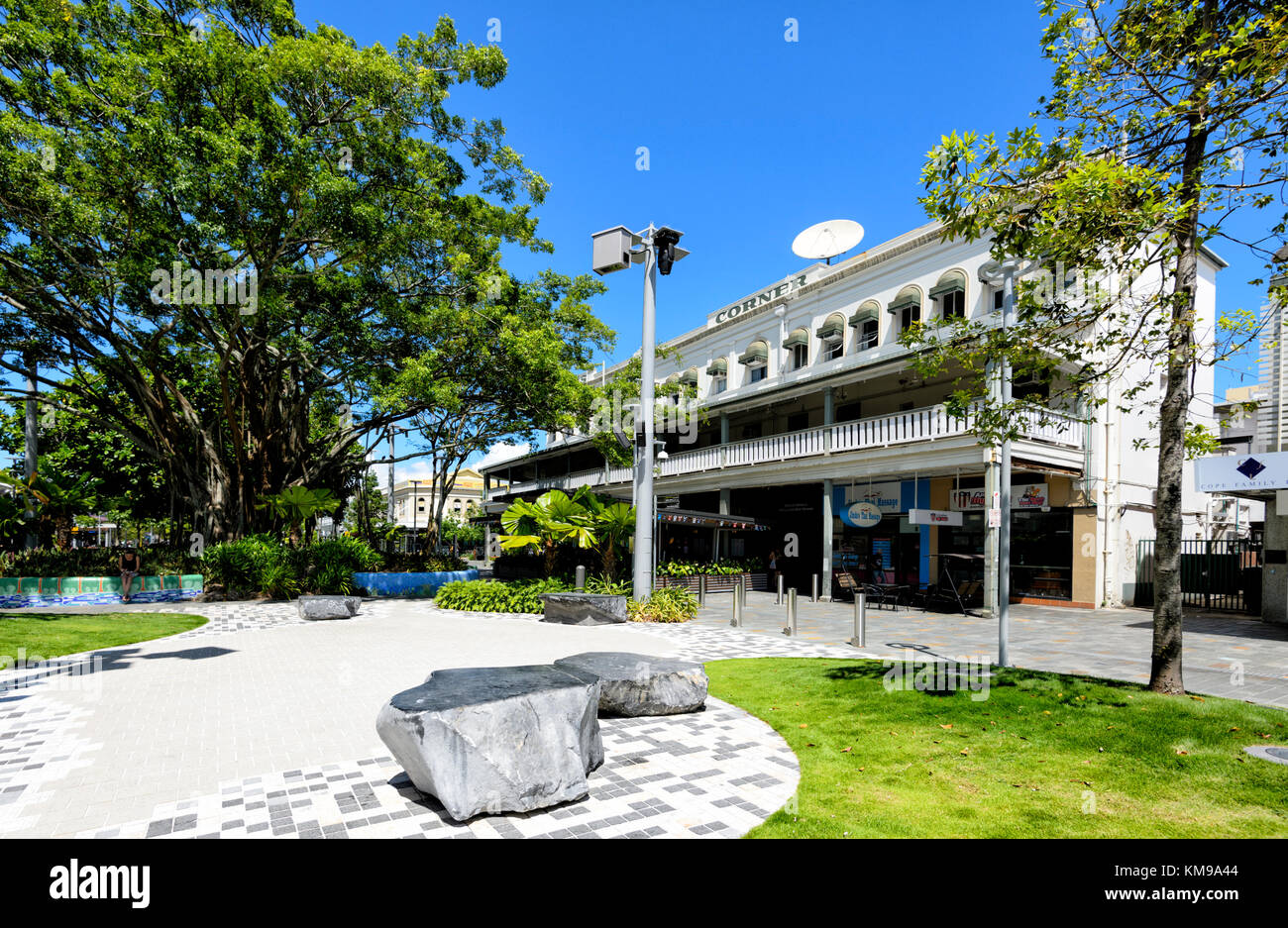 Blendet Ecke Hotel in einem historischen Gebäude, Lake Street, Cairns, Far North Queensland, FNQ, QLD, Australien Stockbild