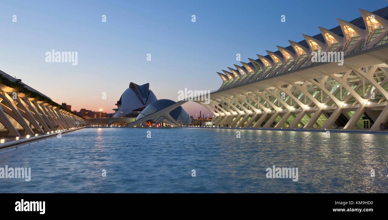 Príncipe Felipe Science Museum, dem Palau de les Arts Reina Sofia, Valencia, Spanien Stockbild