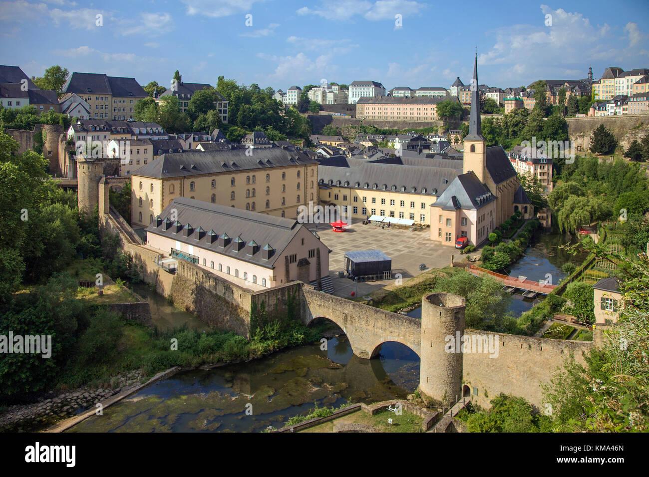 blick von der corniche auf die abtei neum nster und kirche st johannes der stadt luxemburg. Black Bedroom Furniture Sets. Home Design Ideas