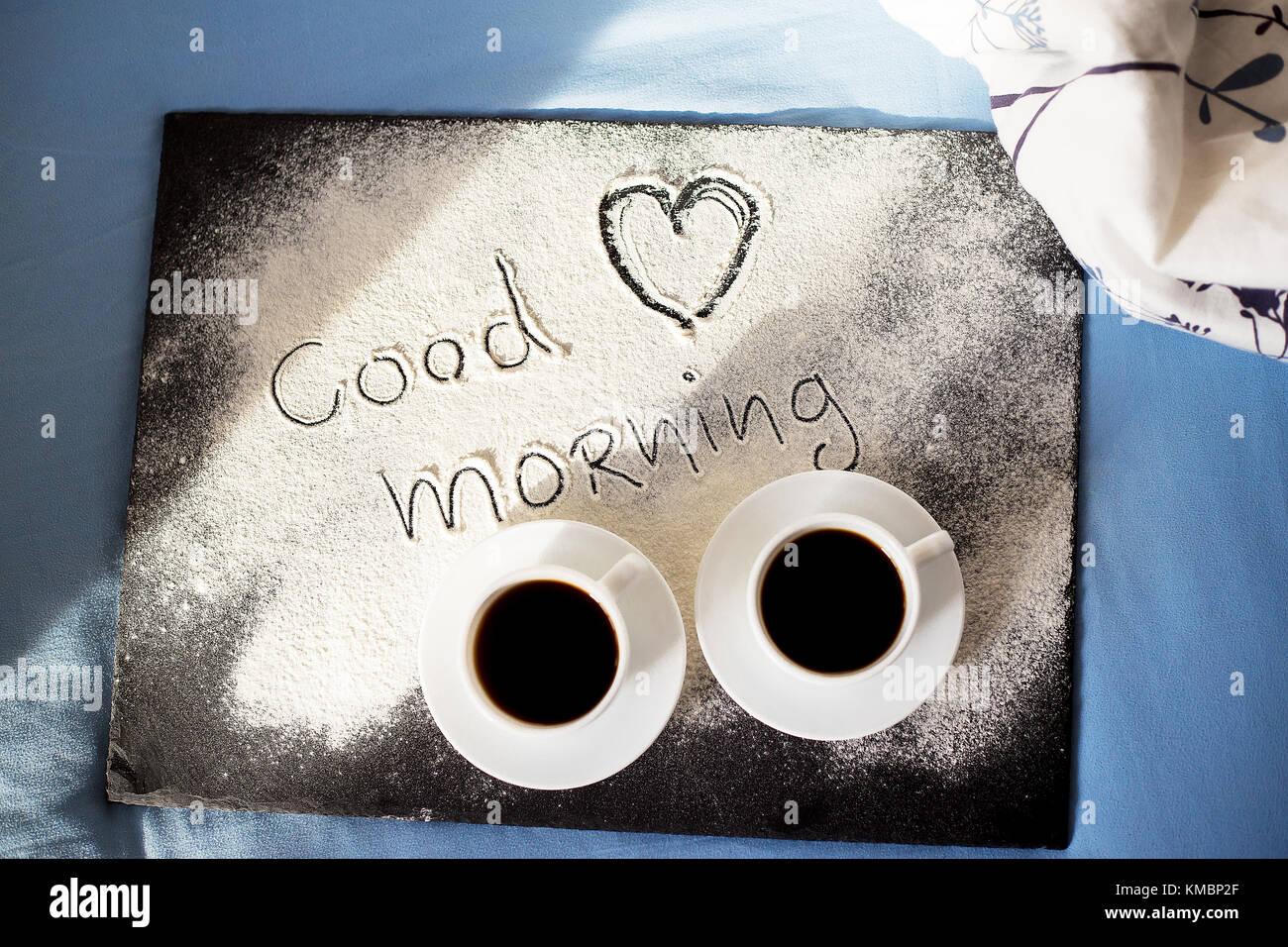 Guten Morgen Inschrift Mehl Auf Ein Brett Mit Tassen Kaffee Das