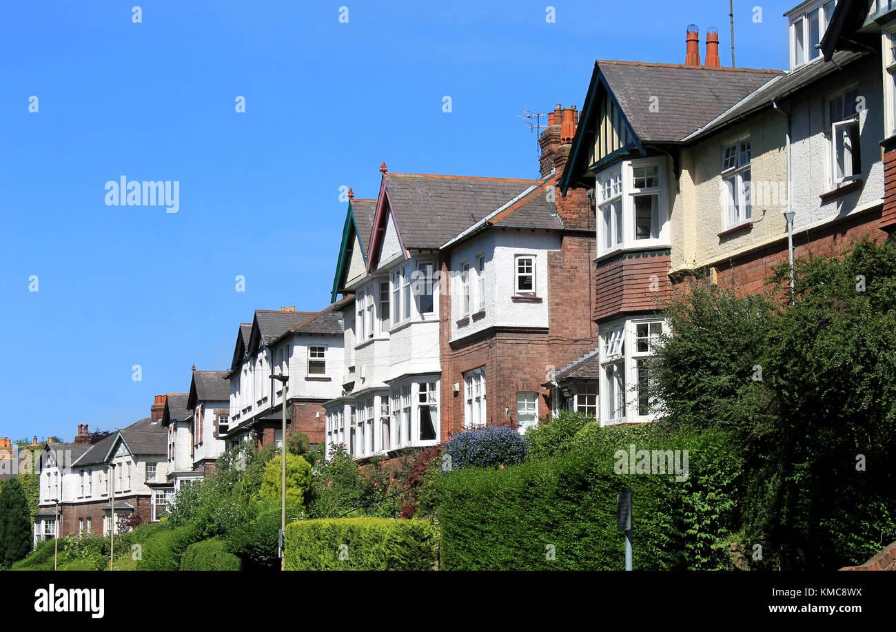 Zeile Der Modernen Hauser In Der Strasse Scarborough England