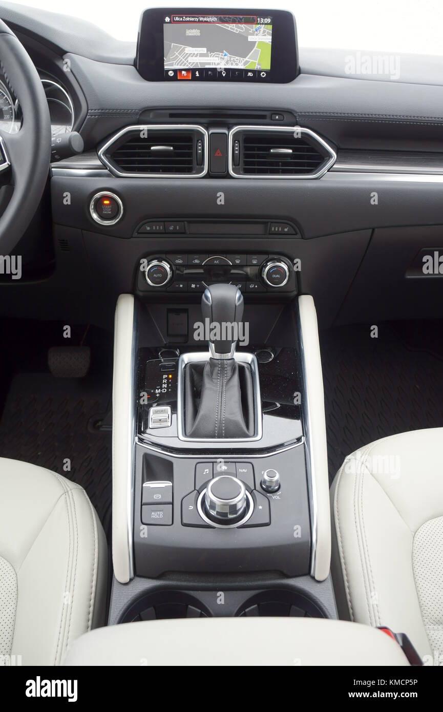 Innenraum Armaturenbrett Mittelkonsole Des Suv 2017 Mazda Cx 5