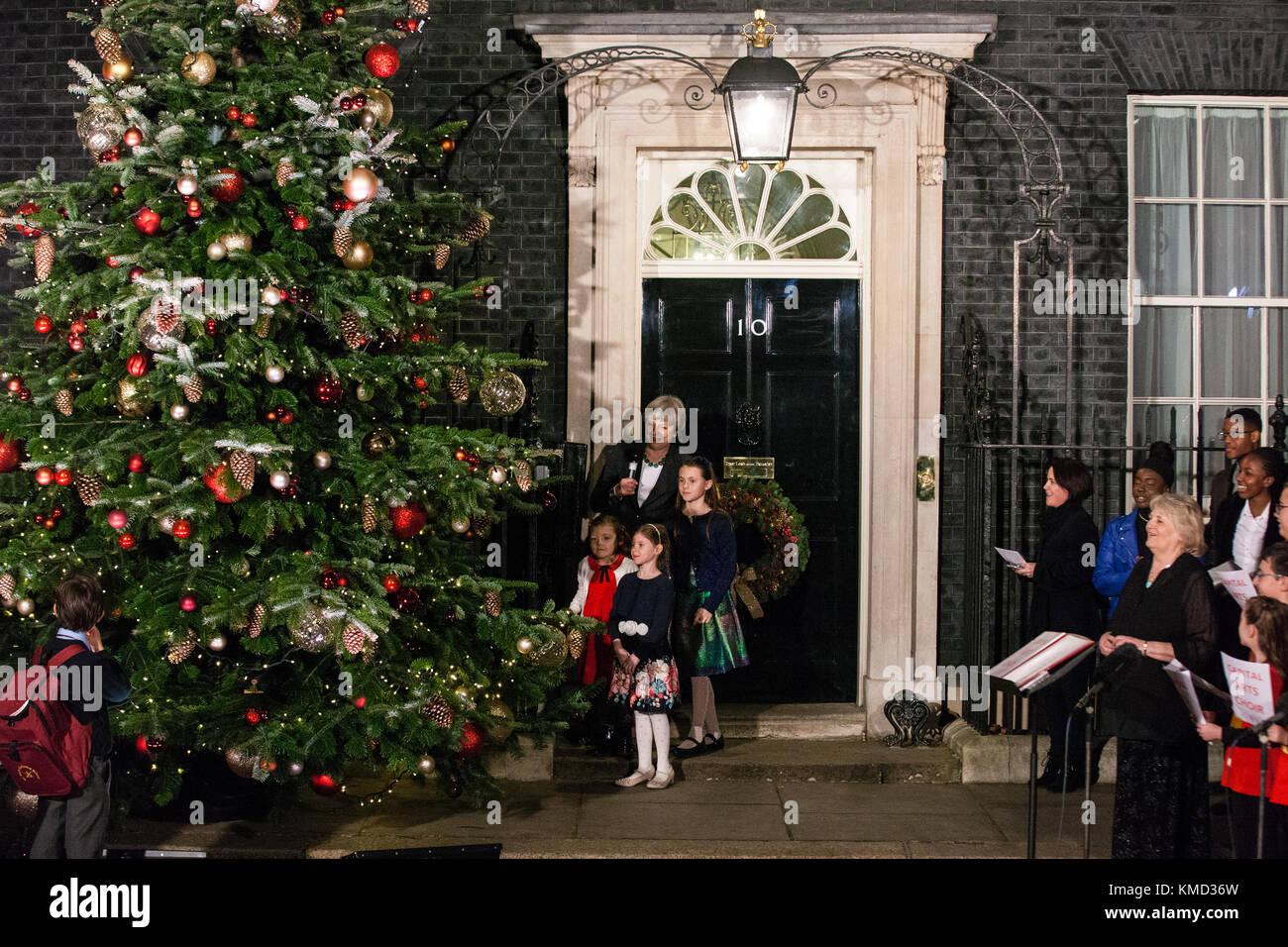 Wann wurde der erste weihnachtsbaum geschmuckt