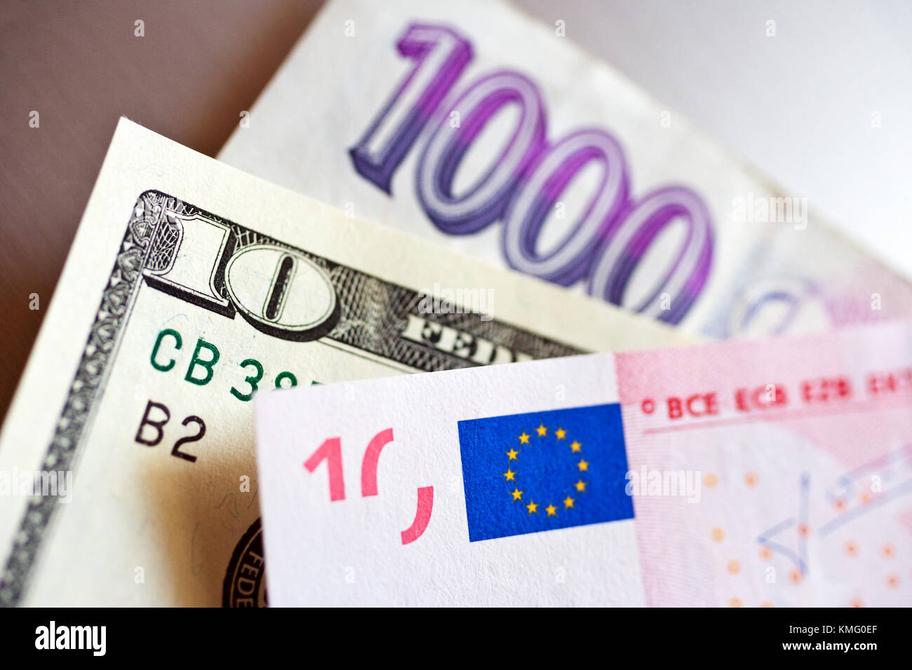 Tschechische Krone Mit Dollar Und Euro Banknoten Finanzen Und