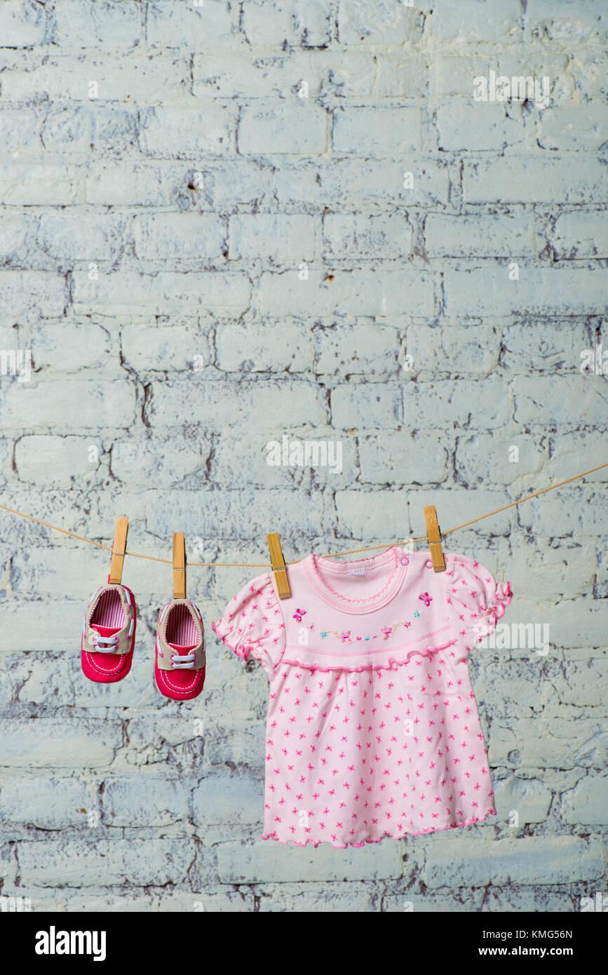 Rote schuhe zu rosa kleid