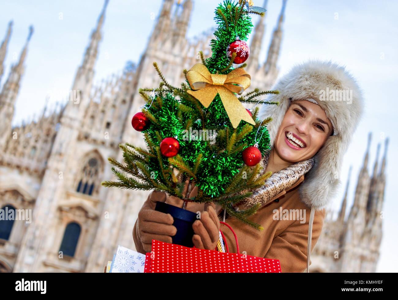 Spaß Weihnachten Reise nach Mailand, Italien. Portrait von glücklich ...