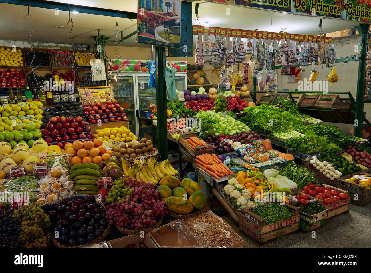 Produzieren Stall, San Telmo Markt, San Telmo, Buenos Aires, Argentinien, Südamerika Stockbild