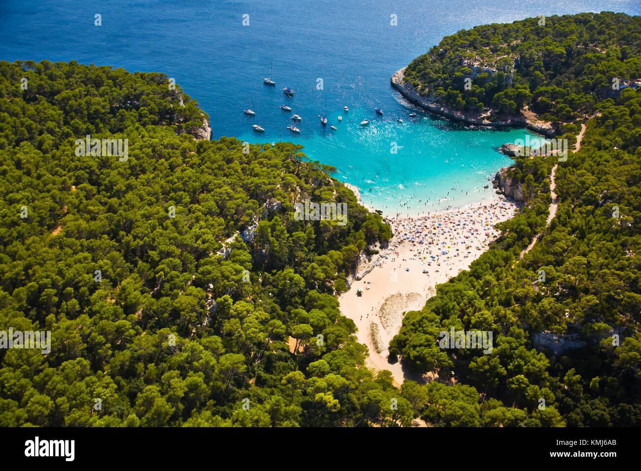 Cala Mitjana. Menorca. Balearen. Spanien. Cala Mitjana. Menorca. Islas Baleares. Spanien. Stockbild