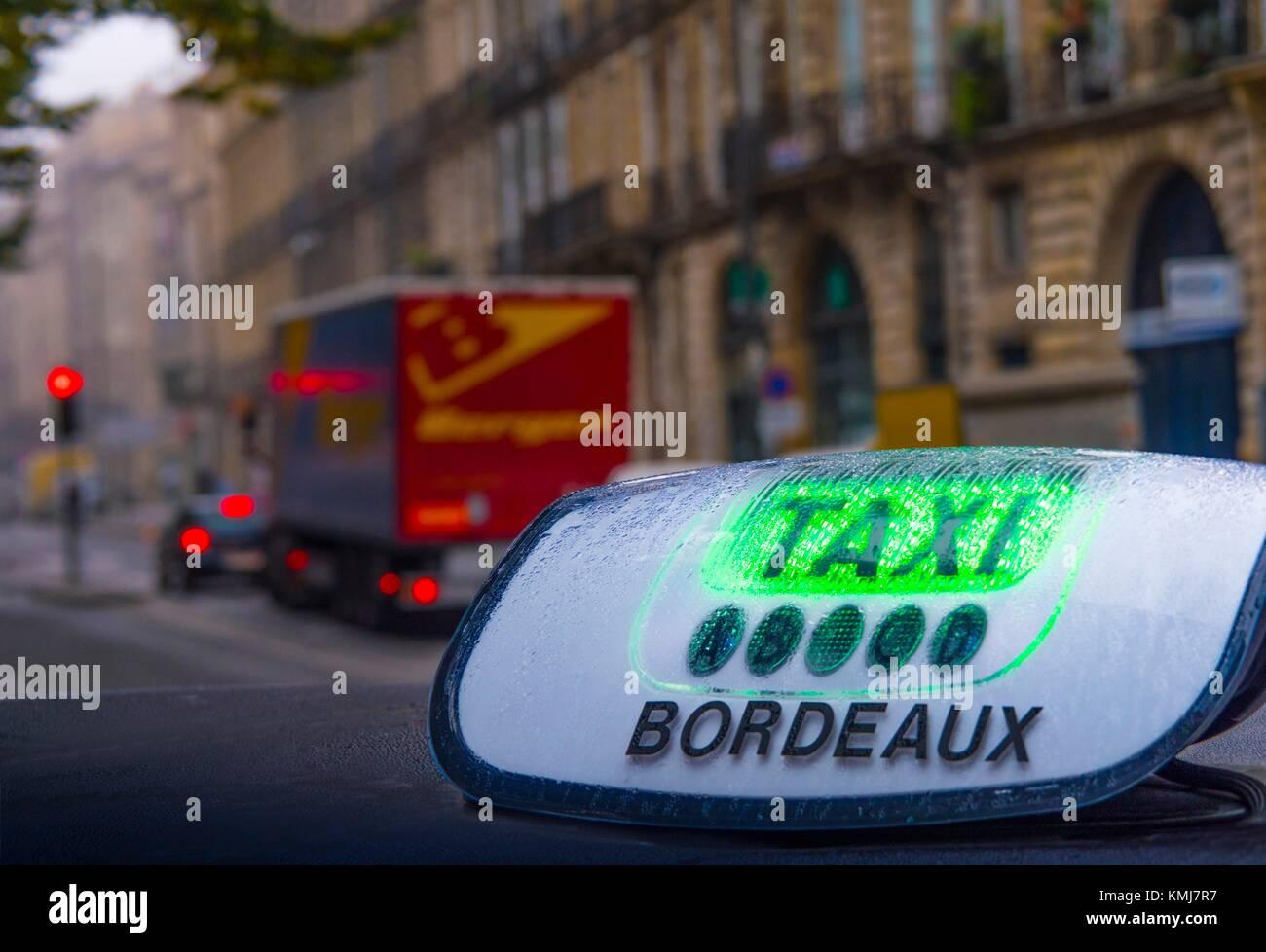 Frankreich, Nouvelle Aquitaine-Gironde - Taxi in Bordeaux. Stockbild