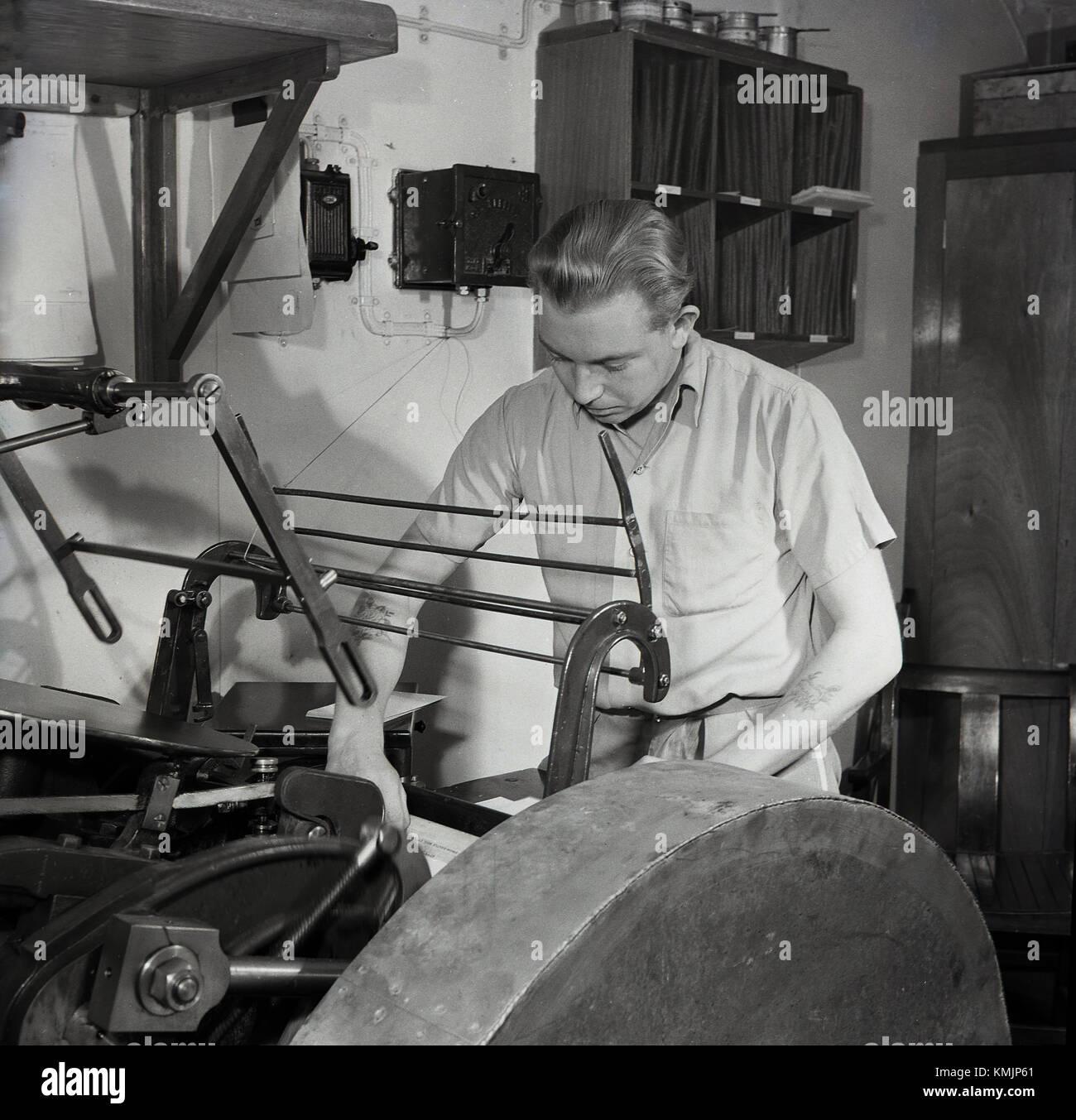 1950, historische, arbeiten in der Druckzentrale auf eine Union - Schloss mailship. Diese mailships lief von Großbritannien Stockbild