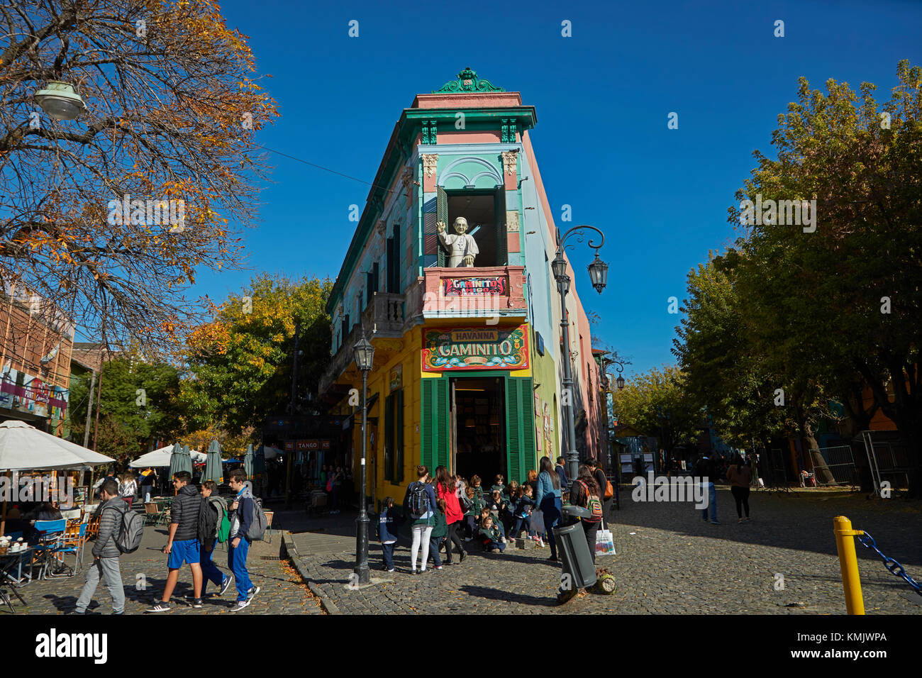 'Papst' auf dem Balkon von el Caminito, La Boca, Buenos Aires, Argentinien, Südamerika Stockbild