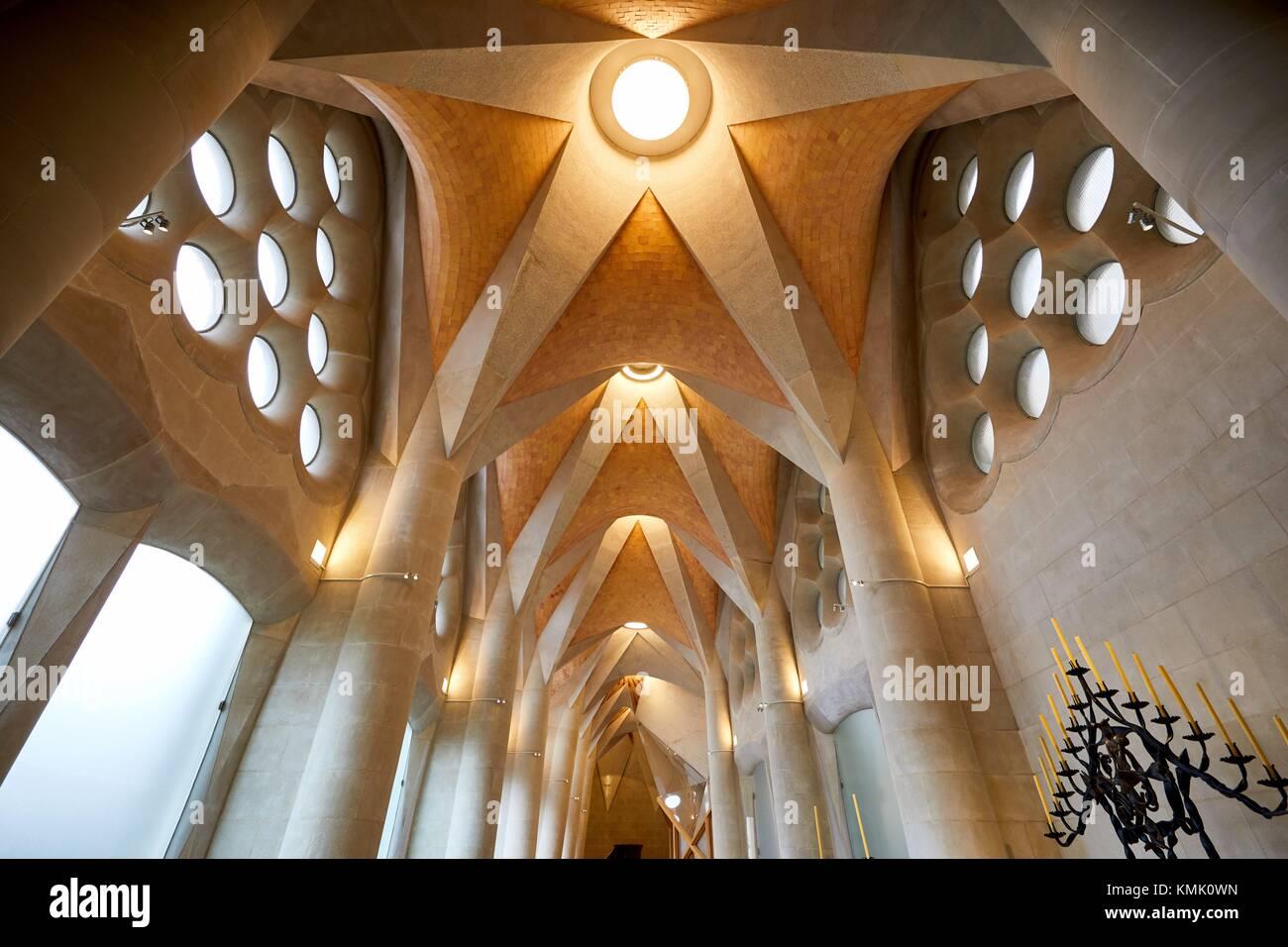 Sakristei, La Sagrada Familia, von dem Architekten Antoni Gaudi, Eixample, Barcelona, Katalonien, Spanien Stockbild