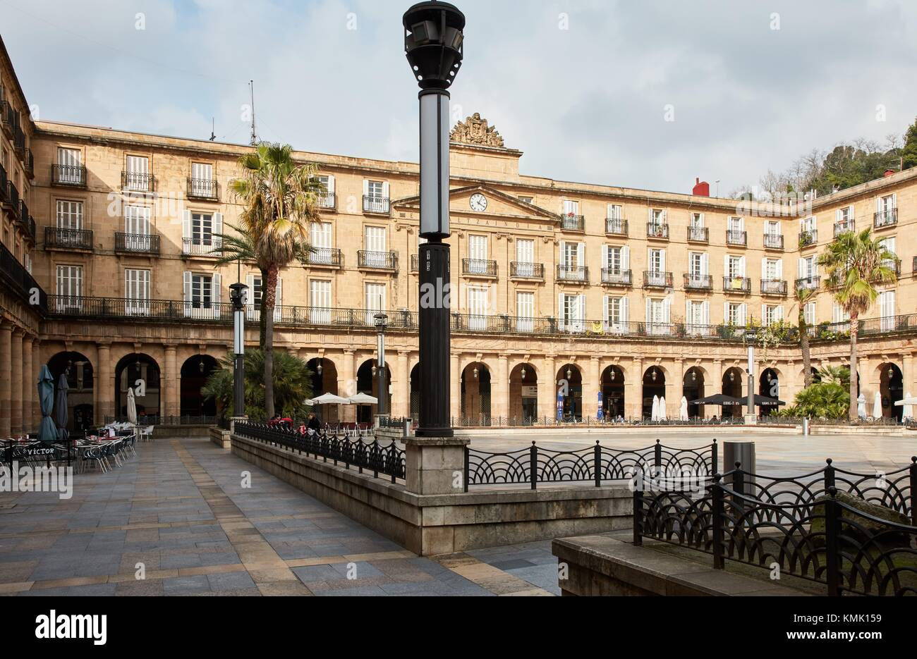 Plaza Nueva oder Plaza Berria, Casco Viejo, Bilbao, Vizcaya, Baskenland, Spanien Stockbild