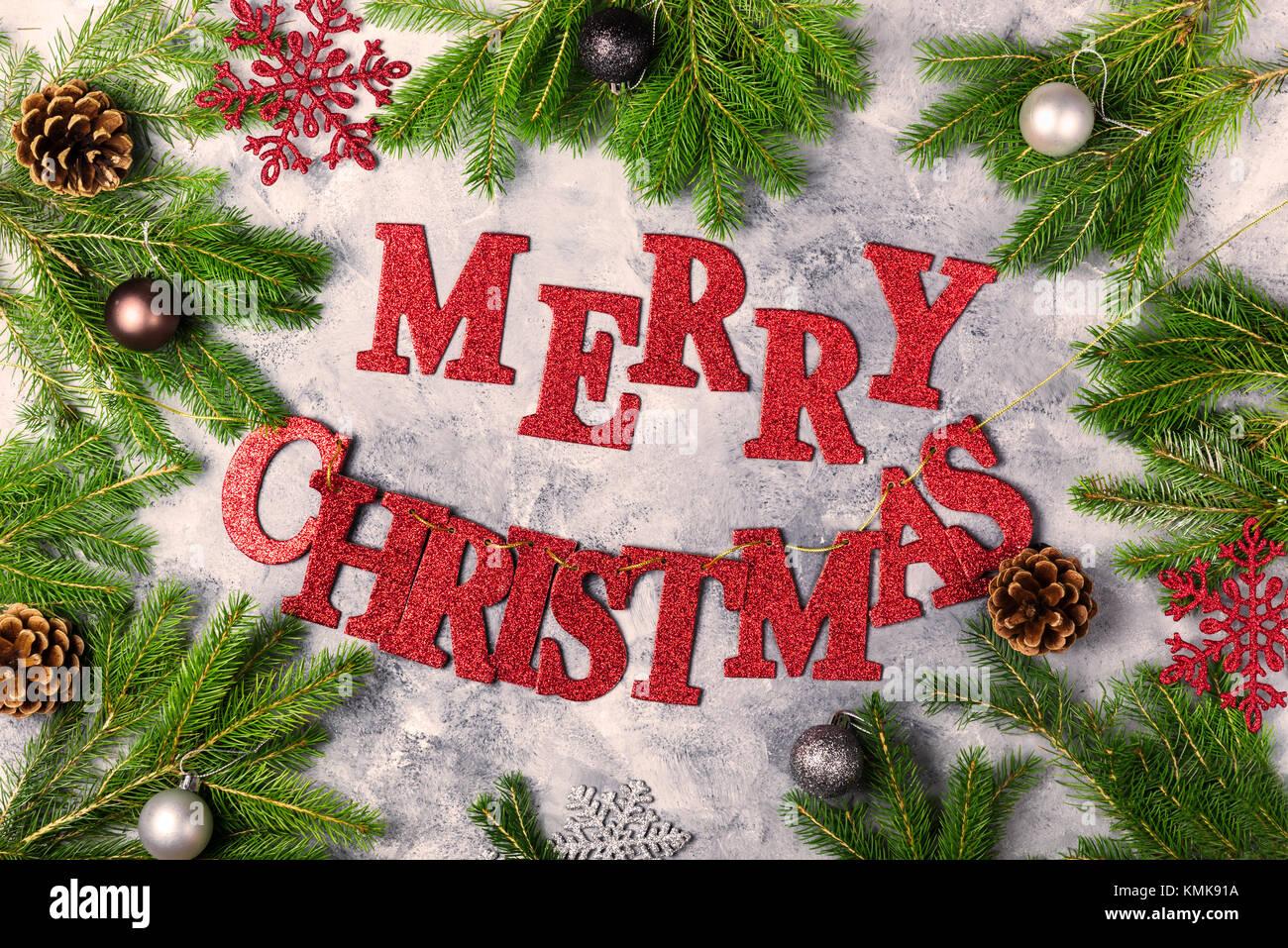 Weihnachten Rahmen aus Xmas Tree Branches, Christbaumkugeln, und ...