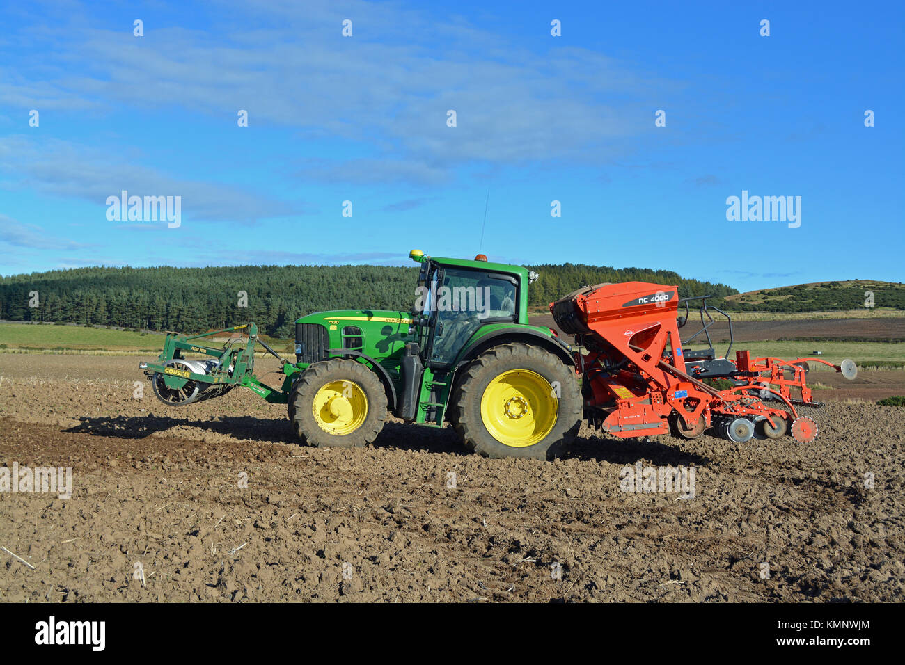 John Deere Tractor Seed Drill Stockfotos John Deere Tractor Seed