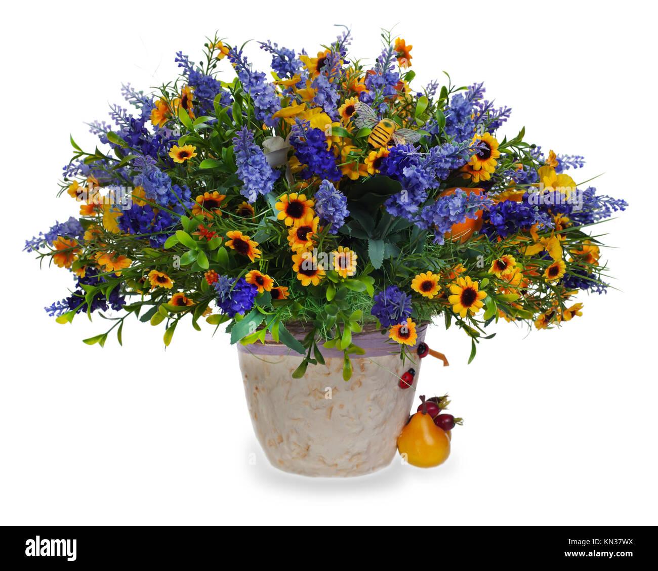 bunte blumen blumenstrau aus lilien und irisen mittelst ck sonnenblumen in vase auf wei em. Black Bedroom Furniture Sets. Home Design Ideas