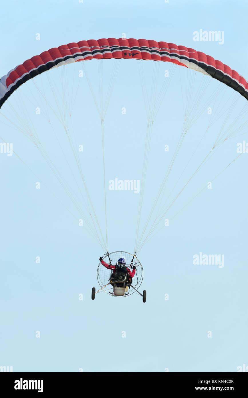 Konzentration Paramotor Flug in Ciudad Real, Spanien. Stockbild
