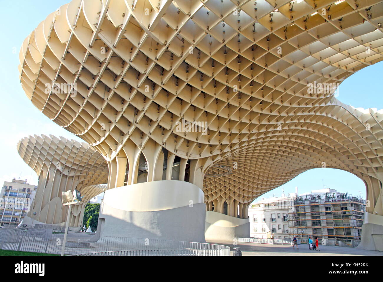 sevilla spanien metropol parasol in sevilla spanien von j rgen mayer h architekten ist der. Black Bedroom Furniture Sets. Home Design Ideas