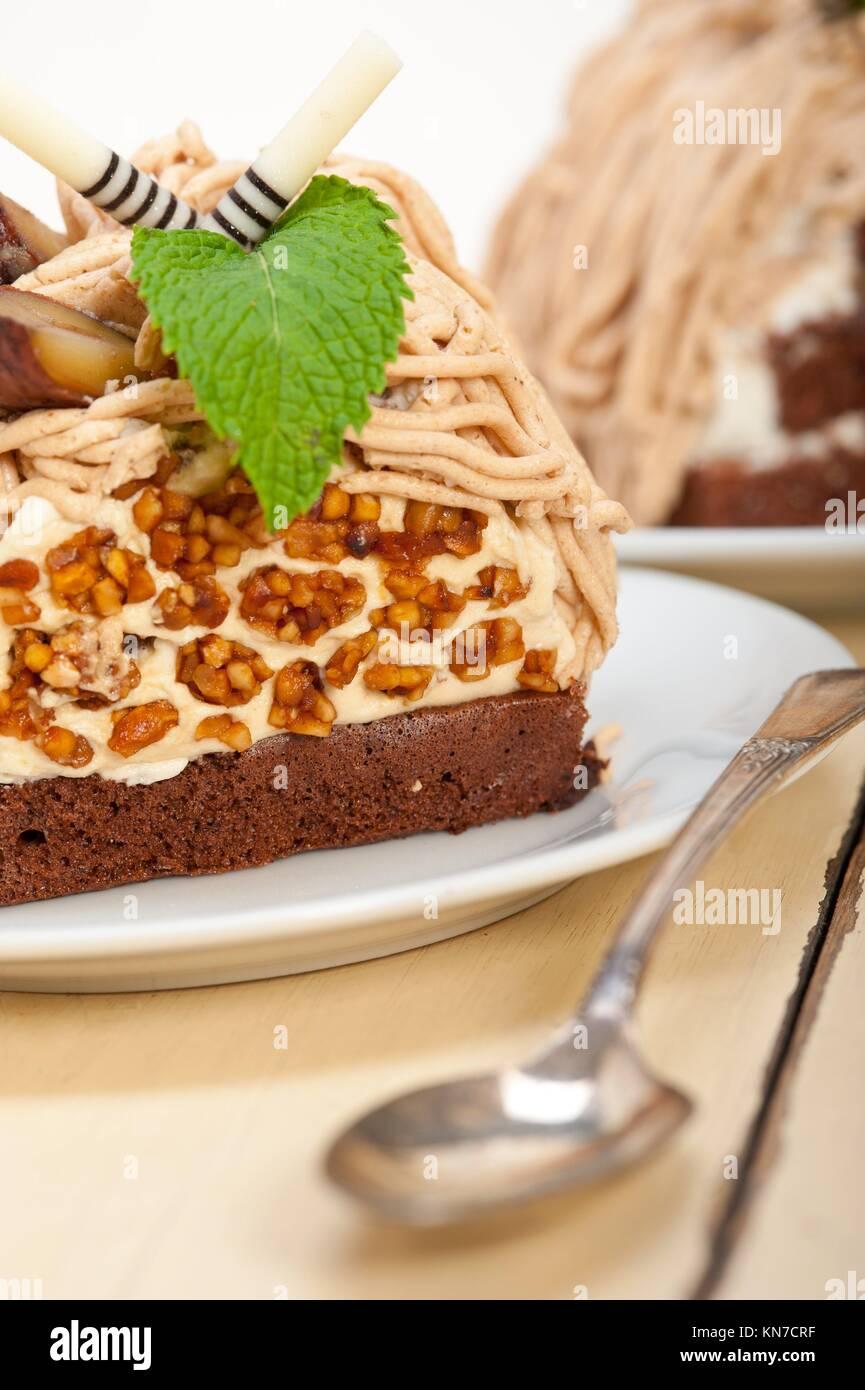 Frisch gebackene kastaniencreme kuchen dessert ber wei e for Weisse kuchen bilder