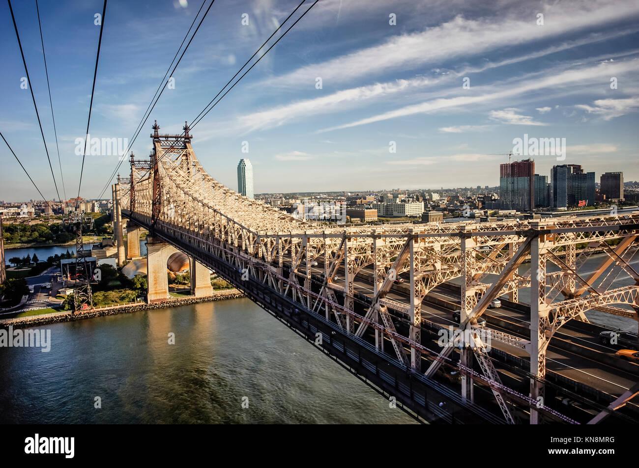 Die Queensboro Bridge, und Roosevelt Island, Manhattan, NYC, USA Stockbild