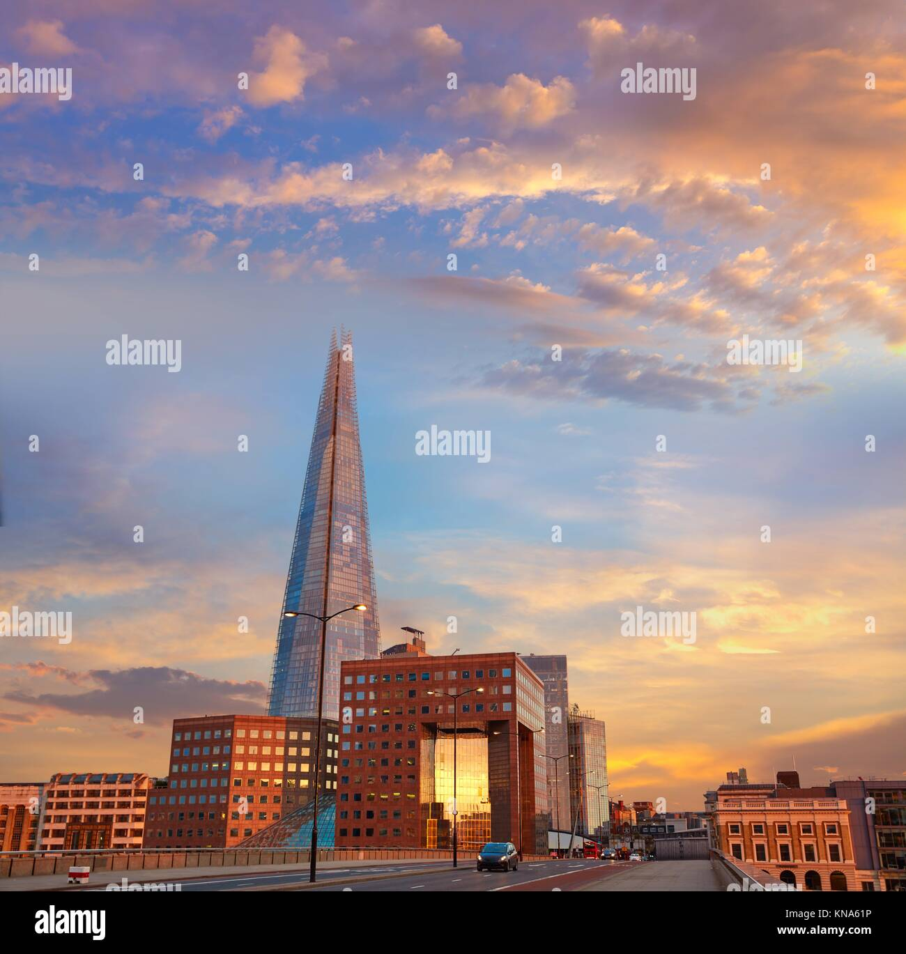 London The Shard Gebäude bei Sonnenuntergang in England. Stockbild