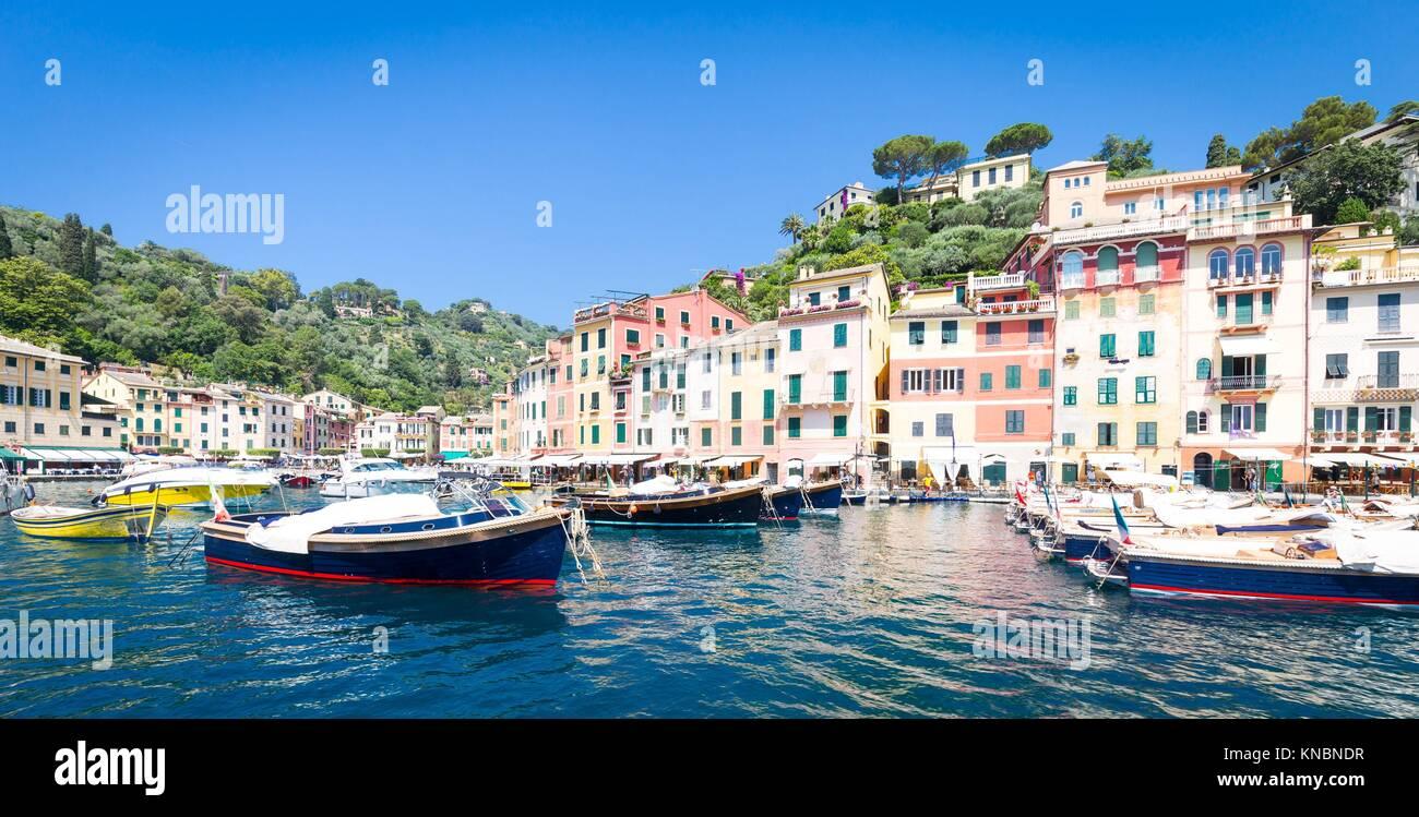 In der Nähe Cinque Terre, Portofino ist eines der schönsten und Mode Stadt. Stockbild