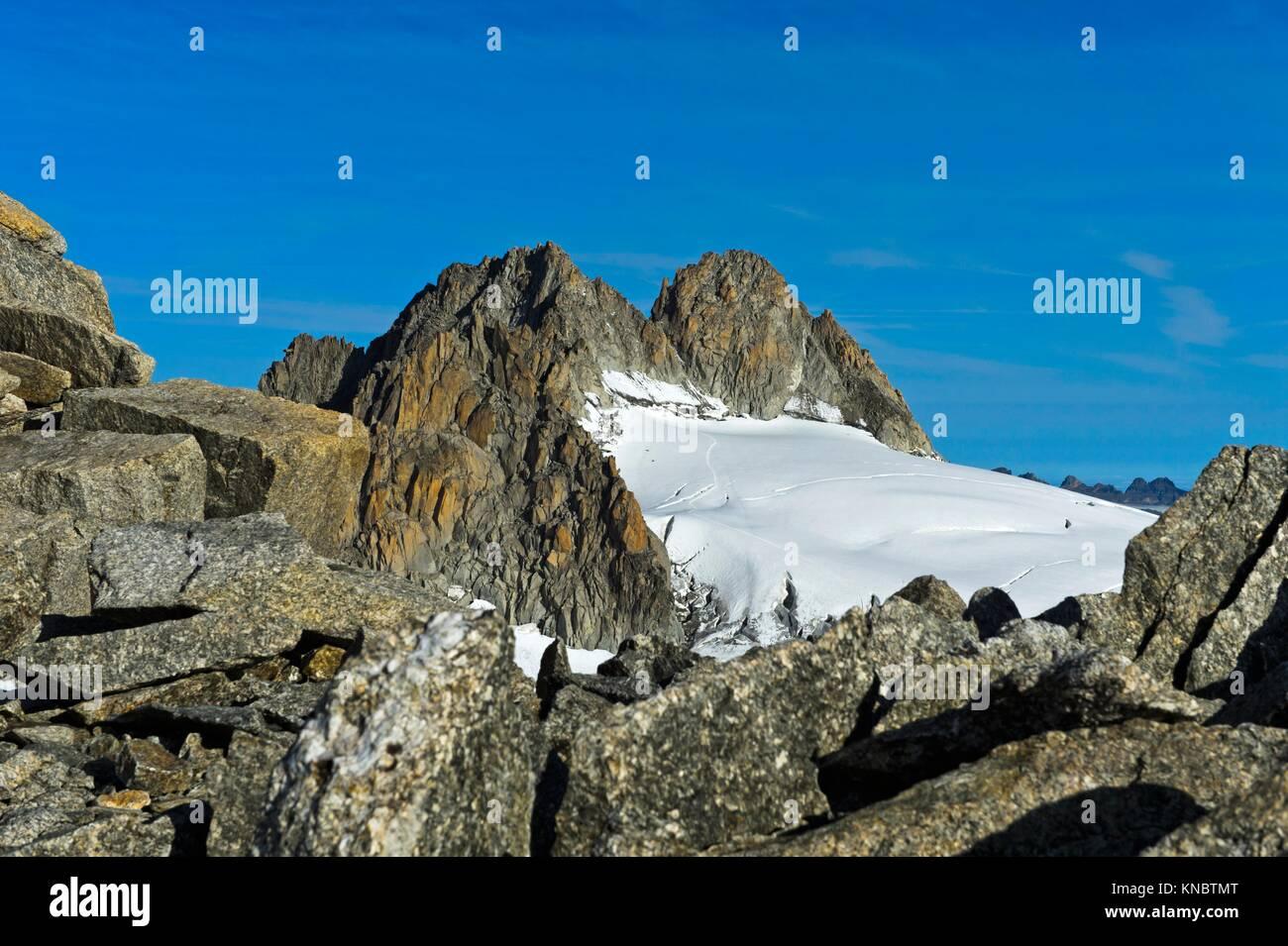 Gipfel Aiguille du Tour über den Gletscher Plateau du Trient, Wallis, Schweiz. Stockbild