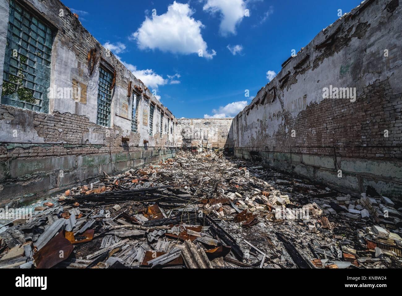 Verbrannt fitnessraum Gebäude in Skrunda-1 Geisterstadt, ehemaliger Standort der Sowjetischen Dnepr Radarstation Stockbild